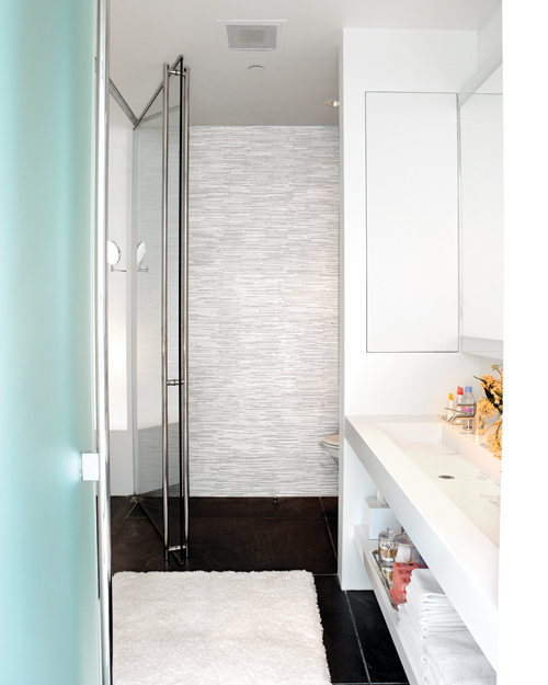 Home Tours of Beautiful Bathrooms