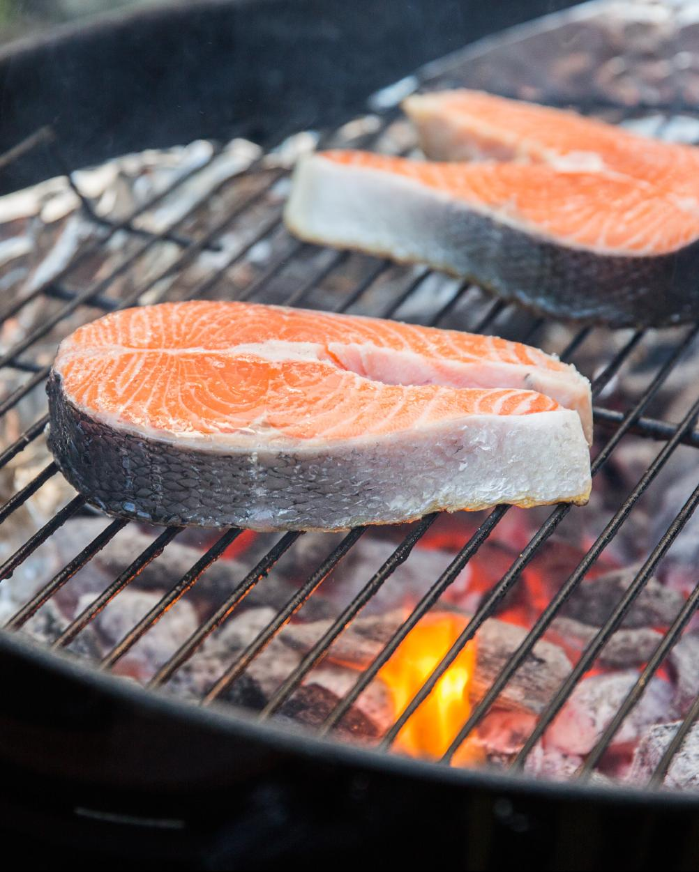An Essential Guide to Grilling Wood for Summer Cookouts