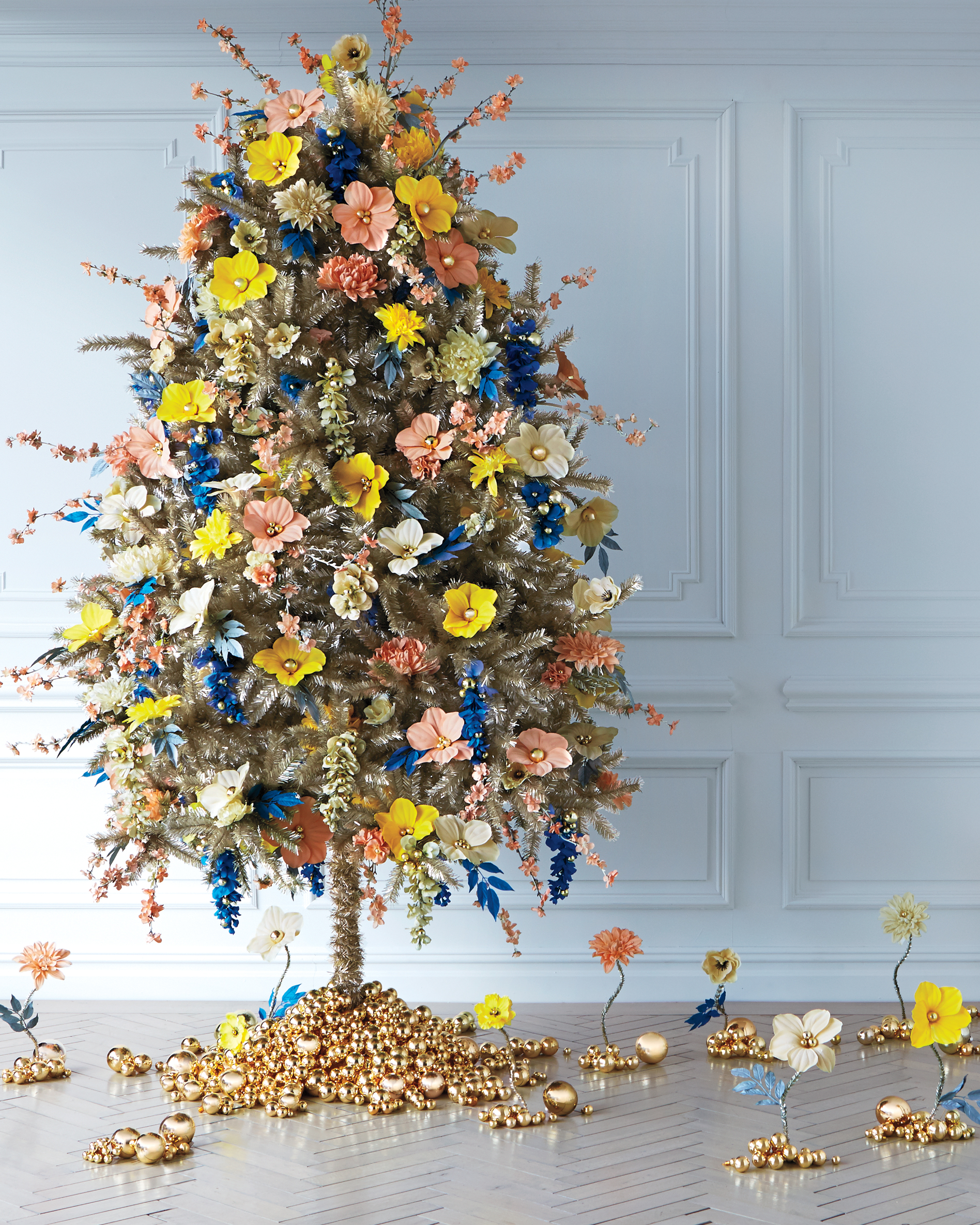 Tall Skinny Christmas Tree Decorating Ideas.Creative Christmas Tree Decorating Ideas Martha Stewart