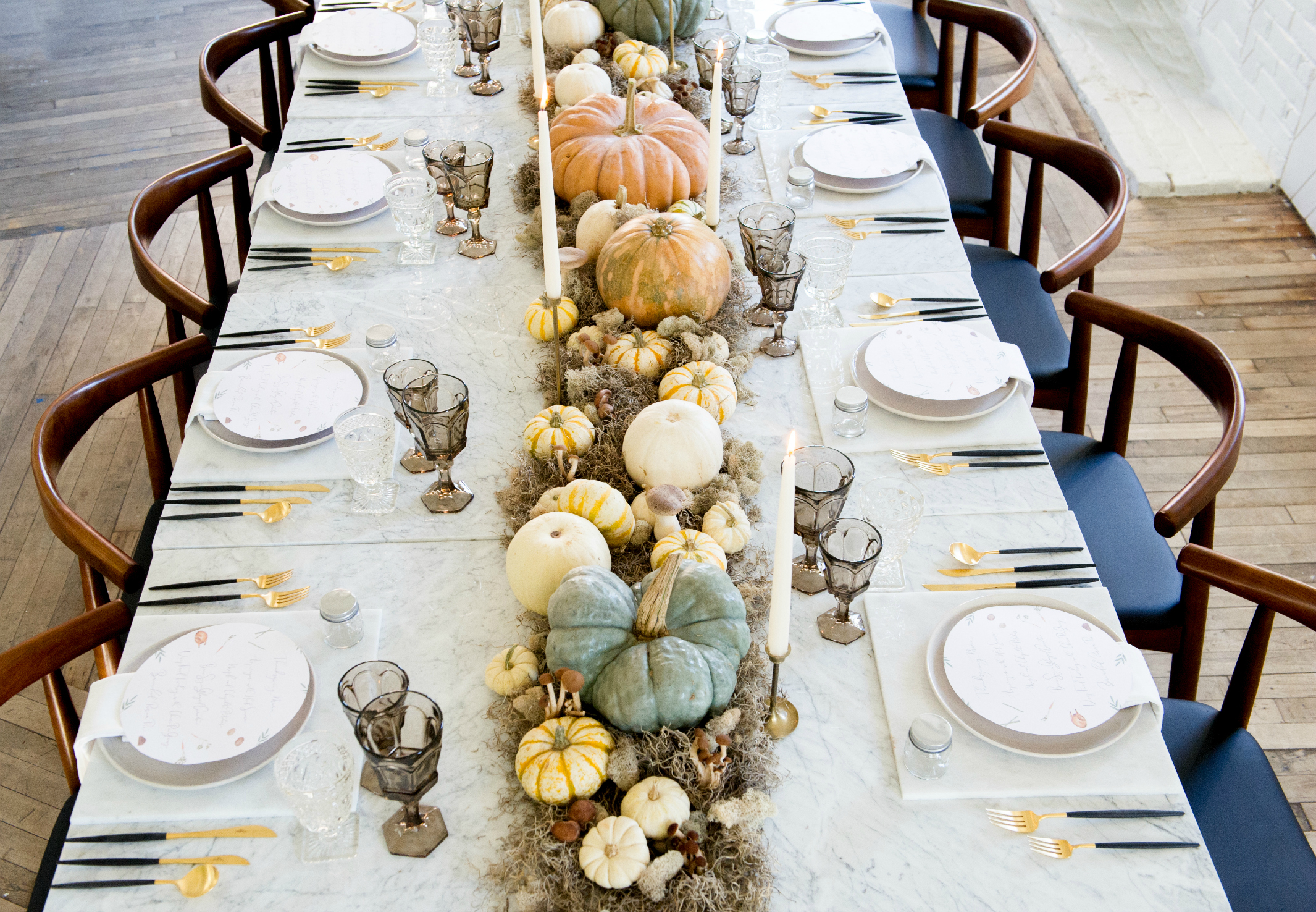 4 Easy-to-Try Ideas For a Modern Thanksgiving Table