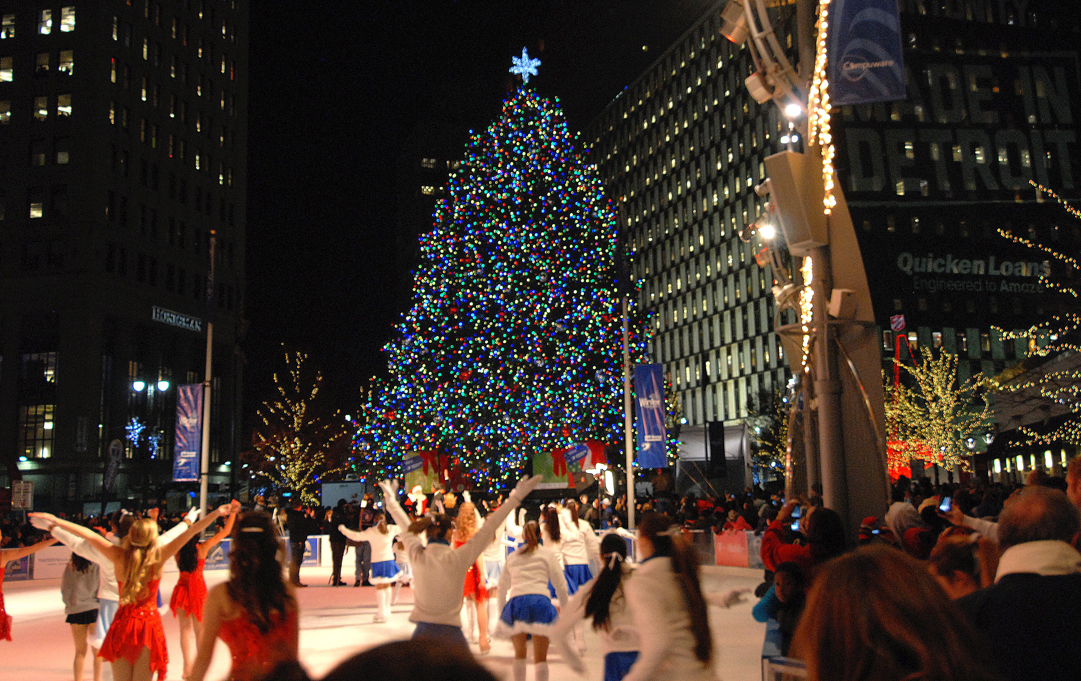 Detroit Welcomes Its Official Christmas Tree of 2017