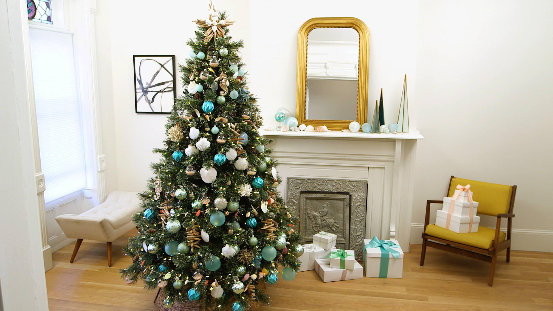 How To Decorate A Beach Themed Christmas Tree With Keepsakes Martha Stewart