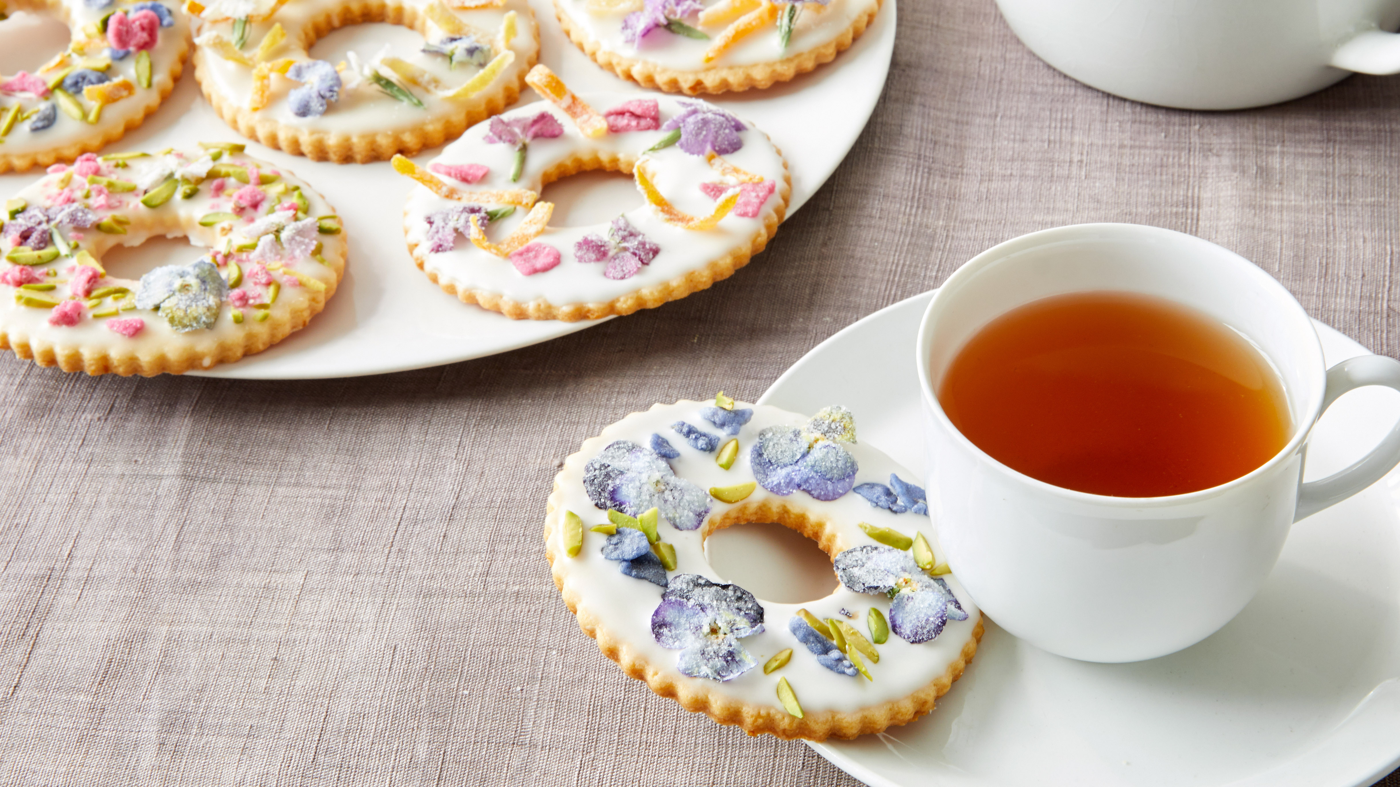 Martha Makes Sugar Cookies Summery—By Adding Flowers!