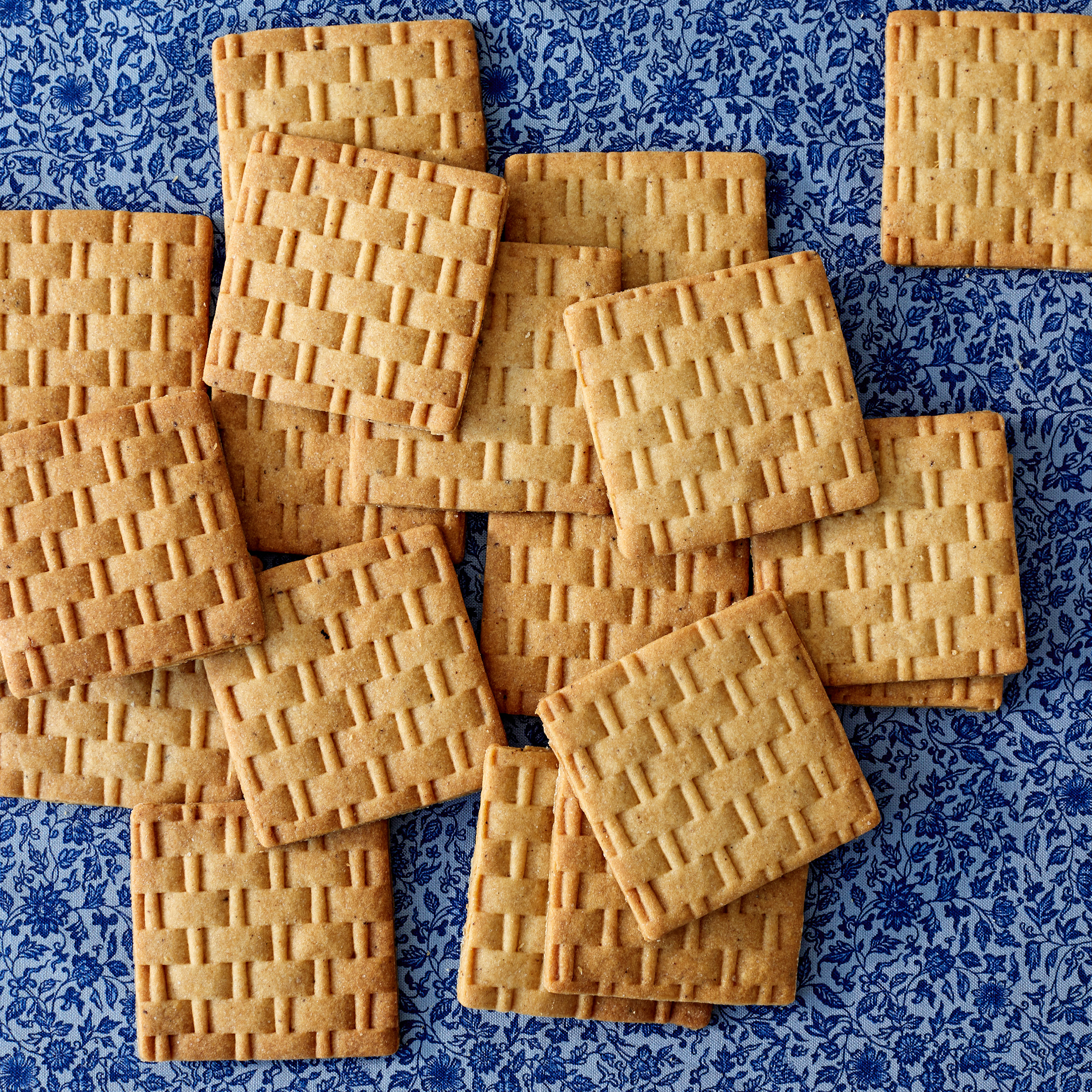 Basket-Weave Brown-Butter Cookies That Are Almost Too Beautiful to Eat