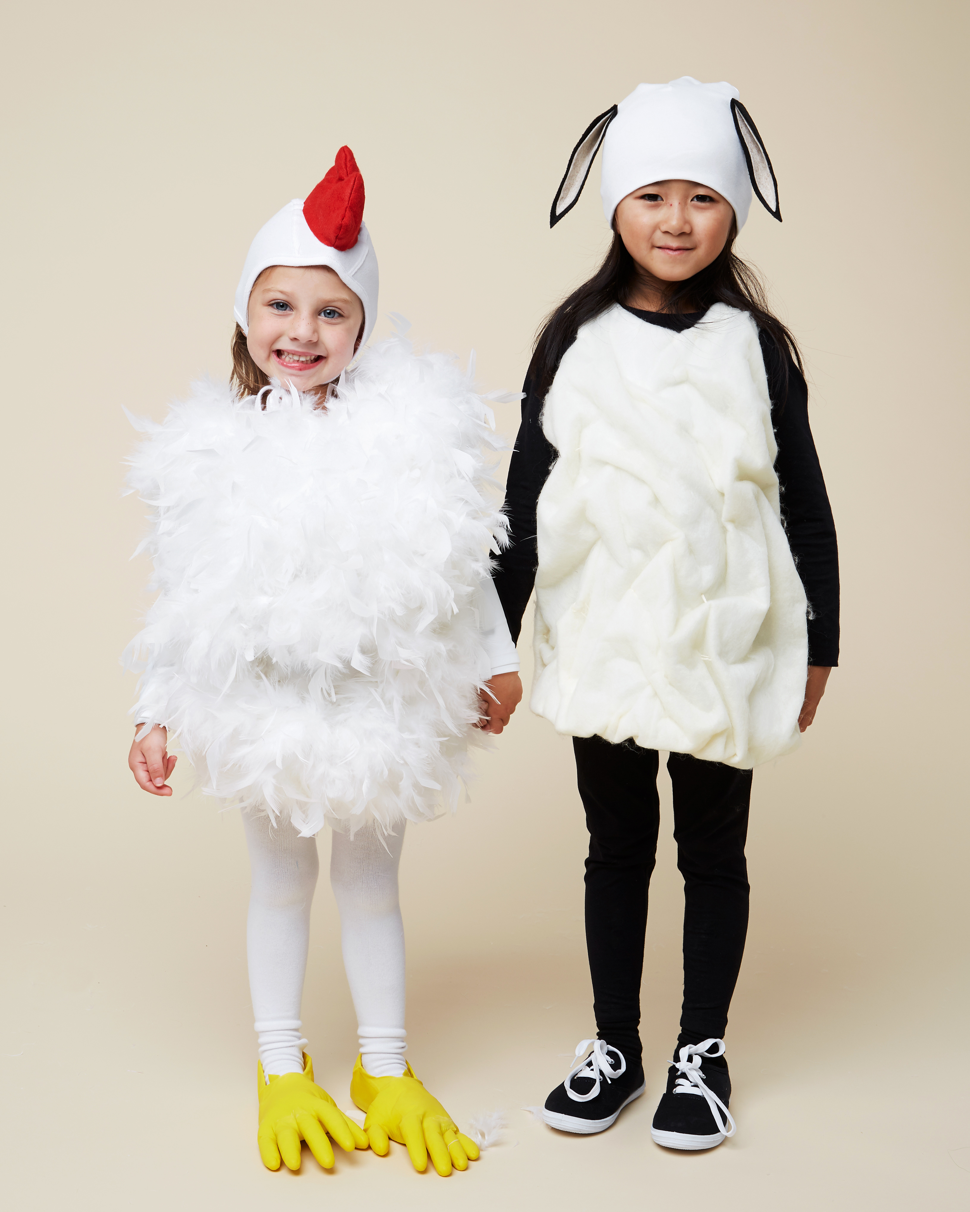 2 Farm Animal Costumes That Pair Perfectly for Best Friends