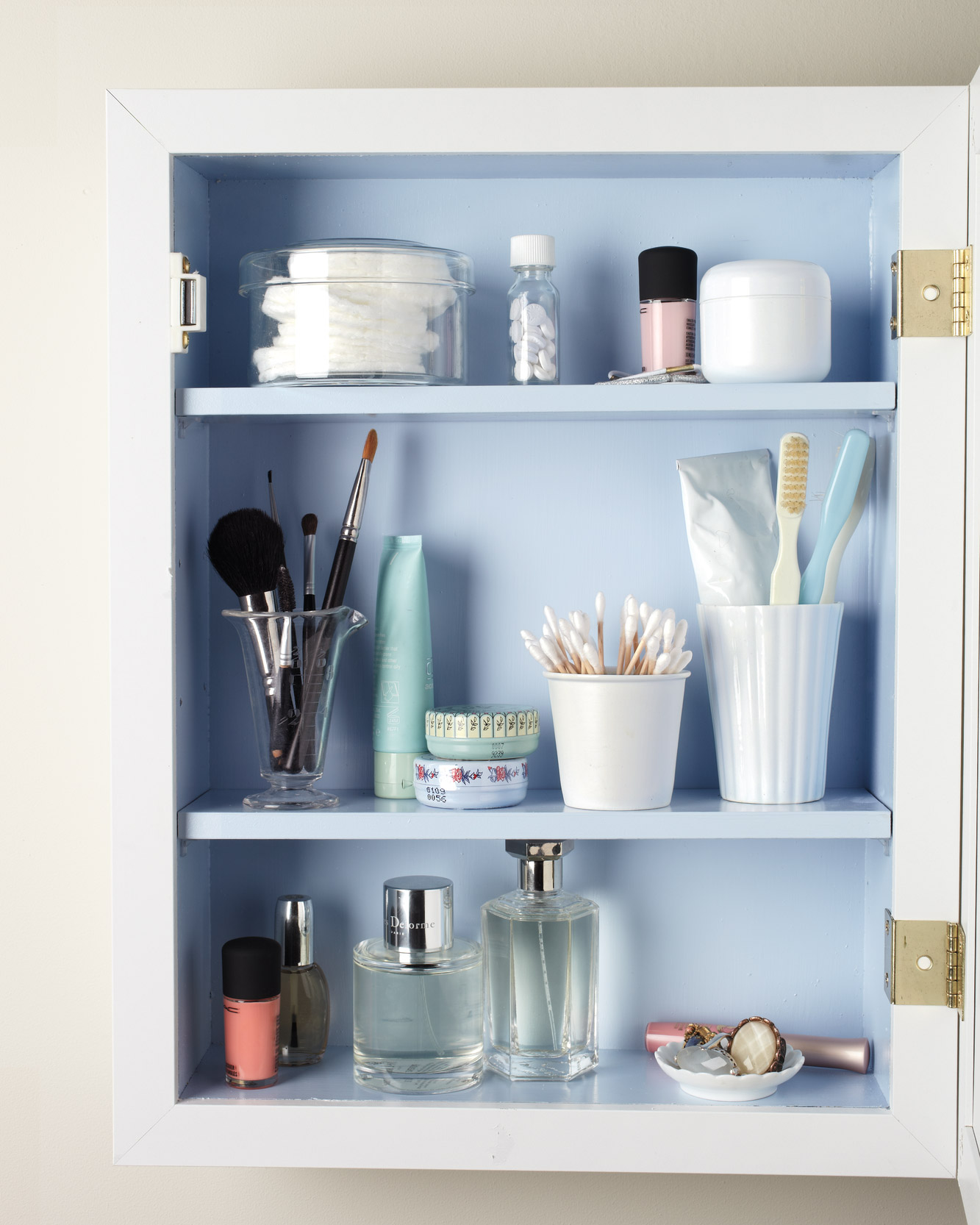 Five Tips For Organizing Your Medicine Cabinet Martha Stewart