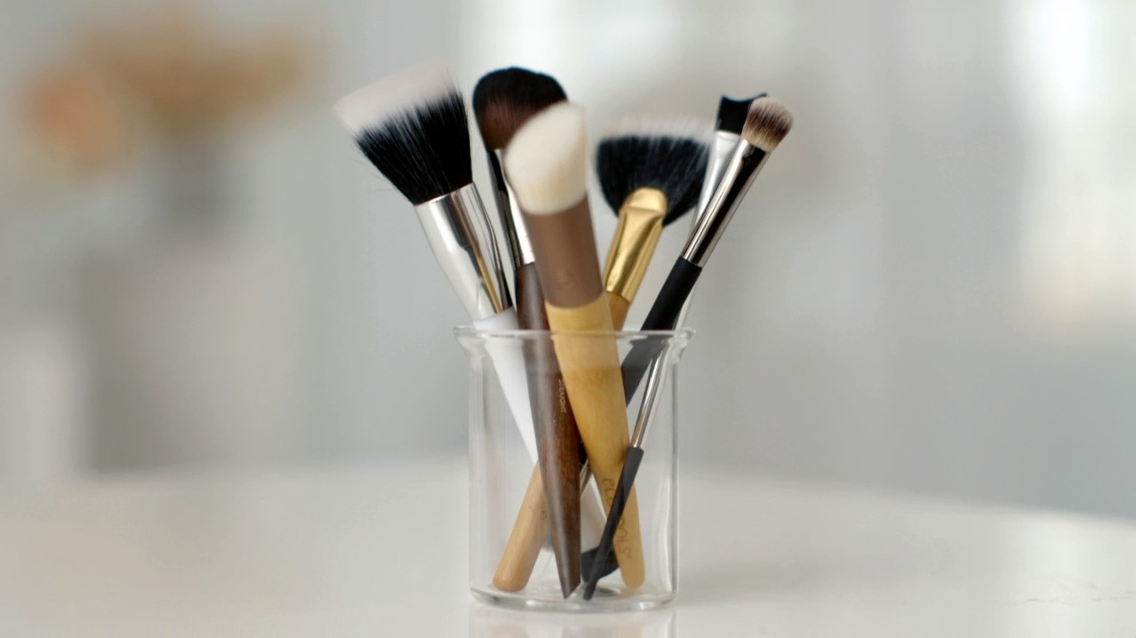 basic makeup brushes in organizer cup
