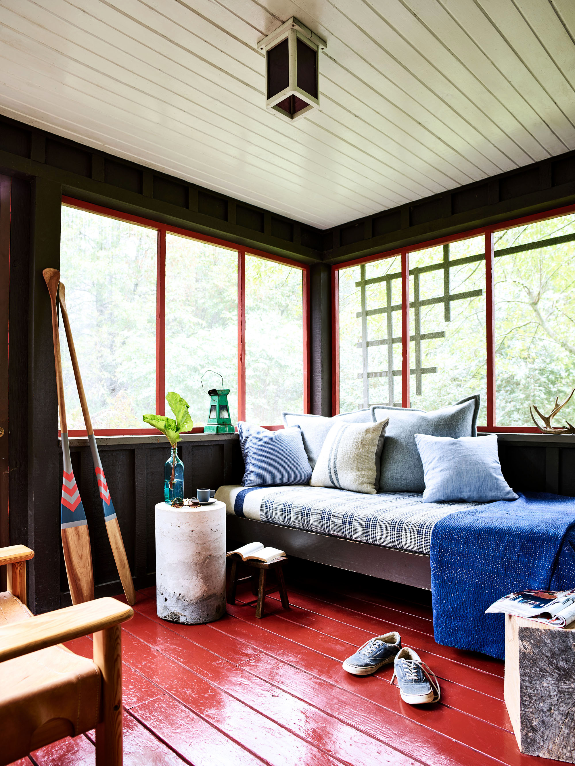 lost creek farm wisconsin screened in porch with daybed