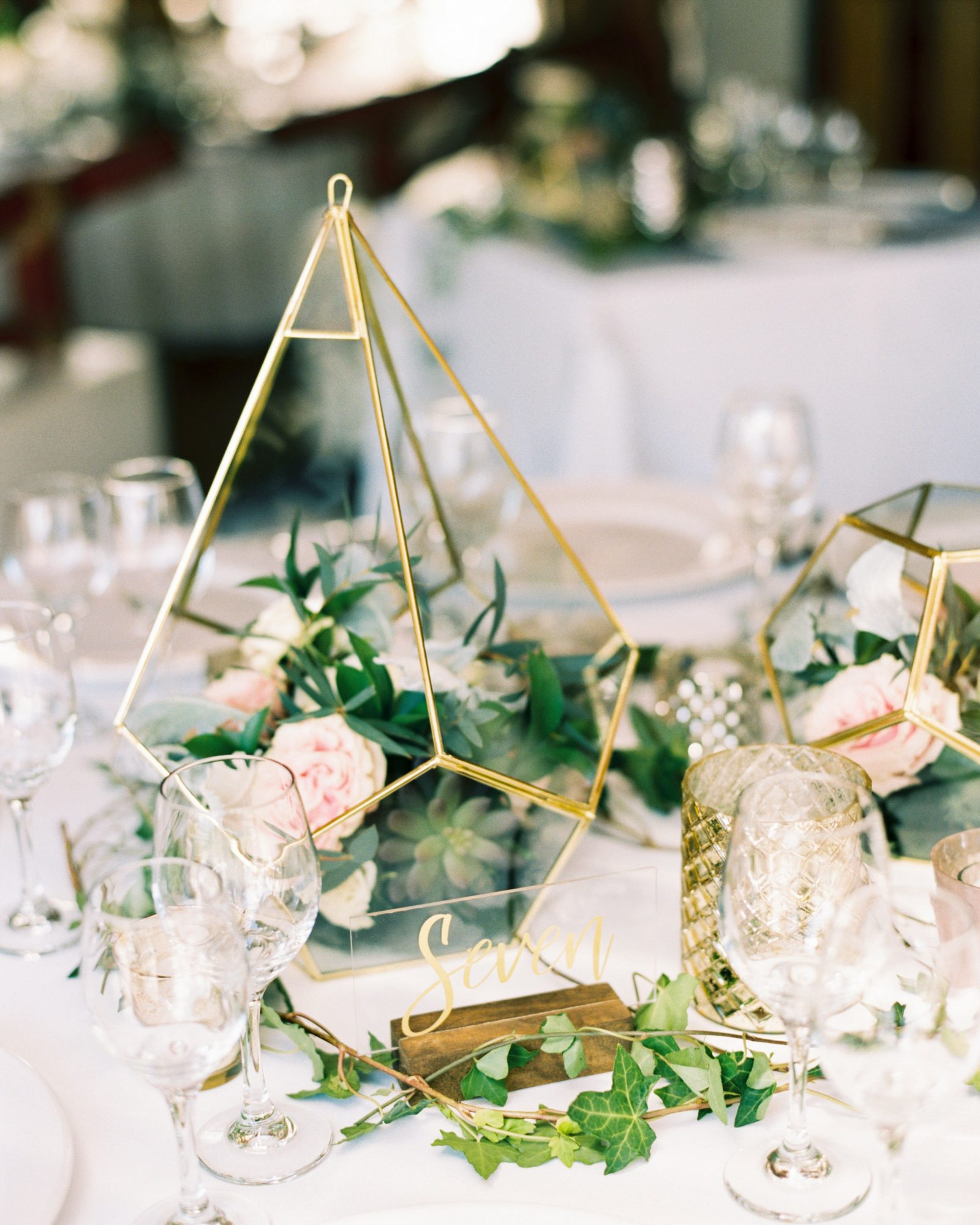 18 Inventive Ways To Incorporate Terrariums Into Your Wedding D Eacute Cor Martha Stewart