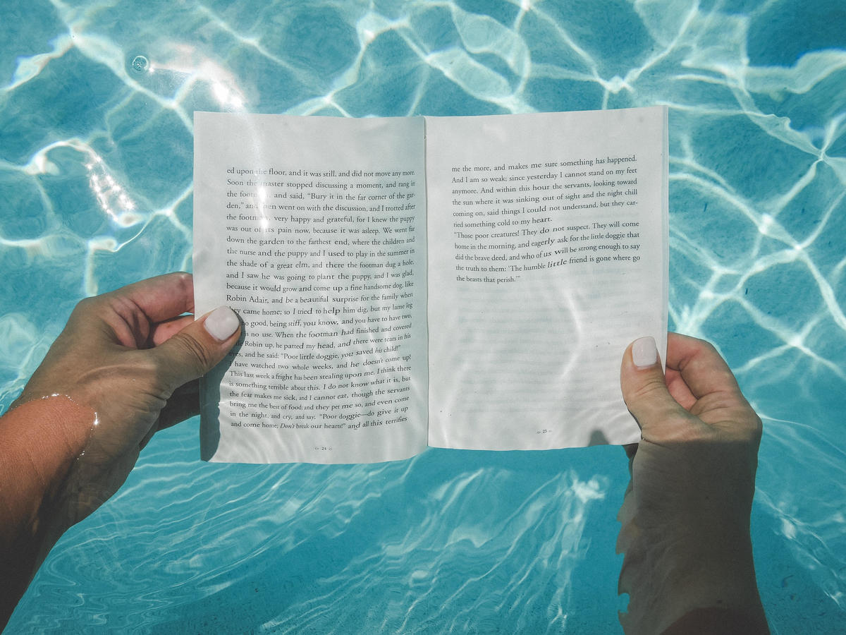 This Key West Hotel's Underwater Library Is Every Book Lover's Fantasy
