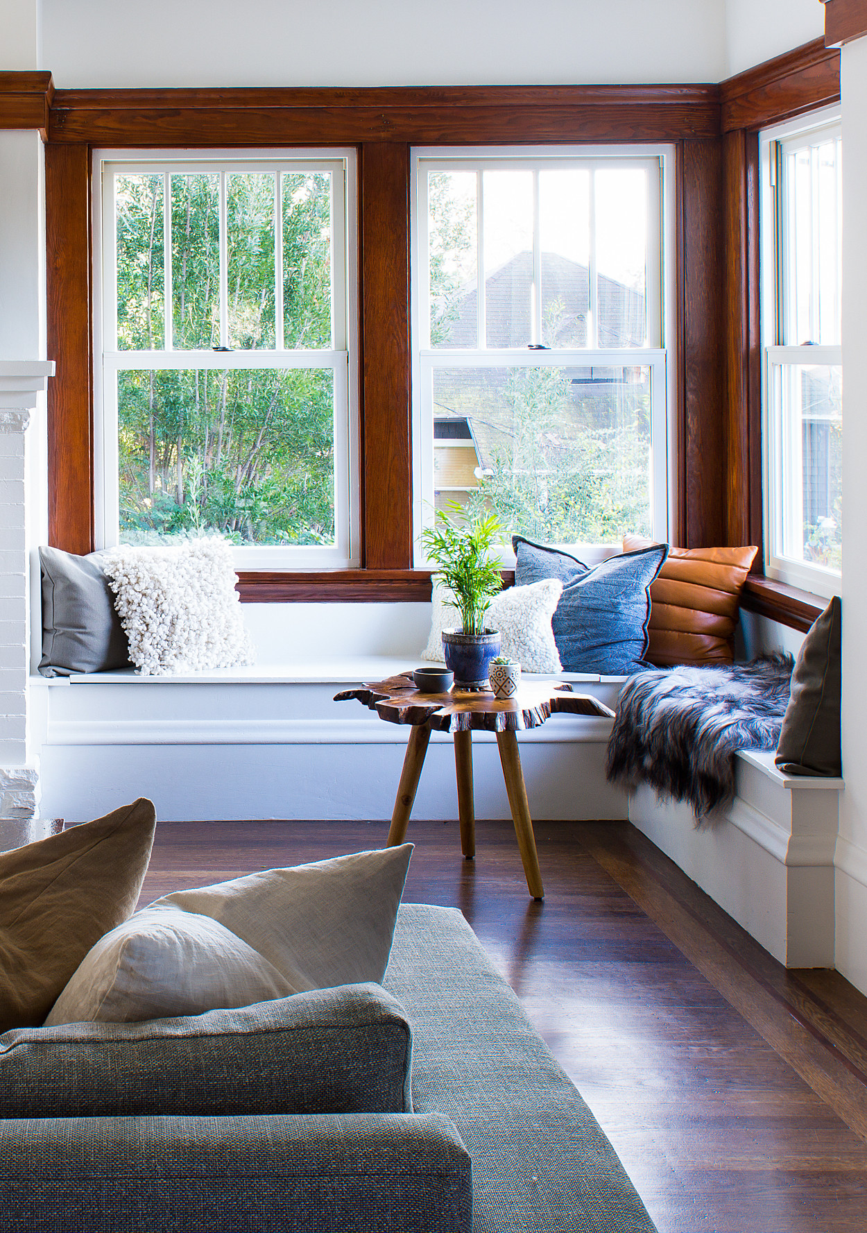 A 1900\'s Craftsman Home Gets a Happy Modern Makeover ...