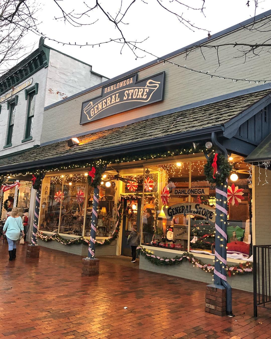 Dahlonega General Store decorated for Christmas
