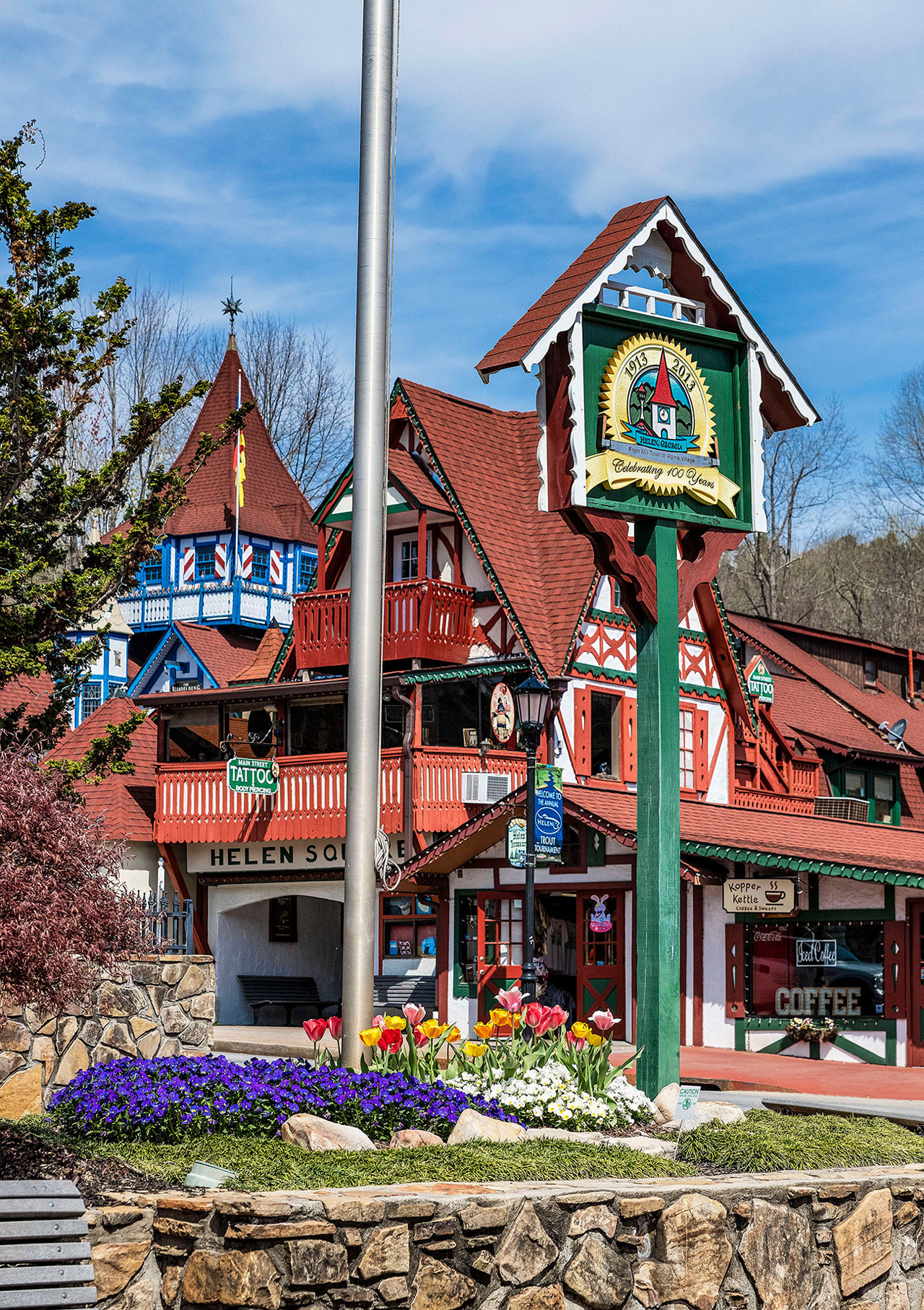 Helen Georgia Christmas.The Most Charming Small Towns To Visit During The Christmas
