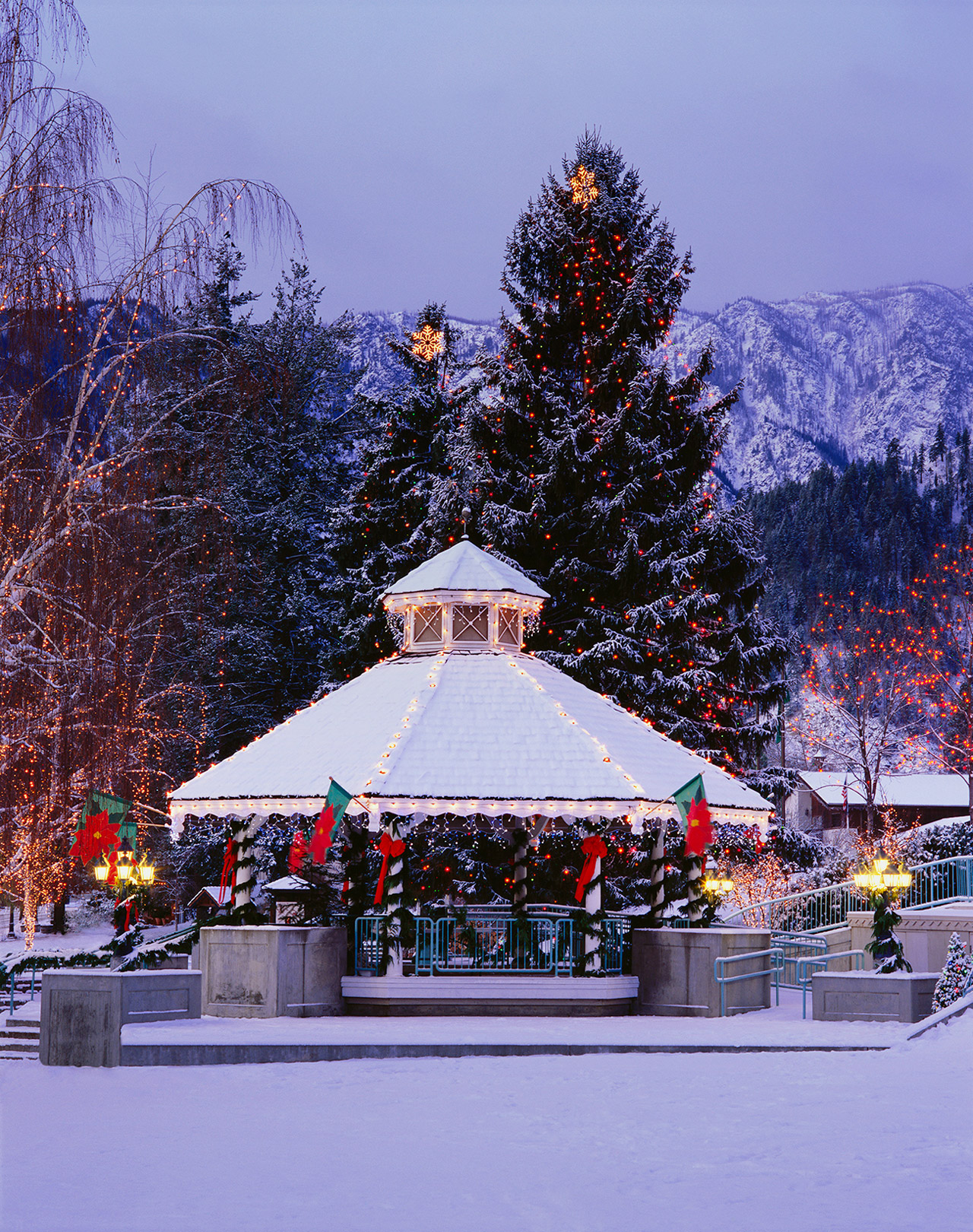 The Most Charming Small Towns to Visit During the Christmas Season