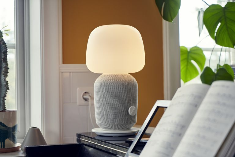 sonos lamp on tbale