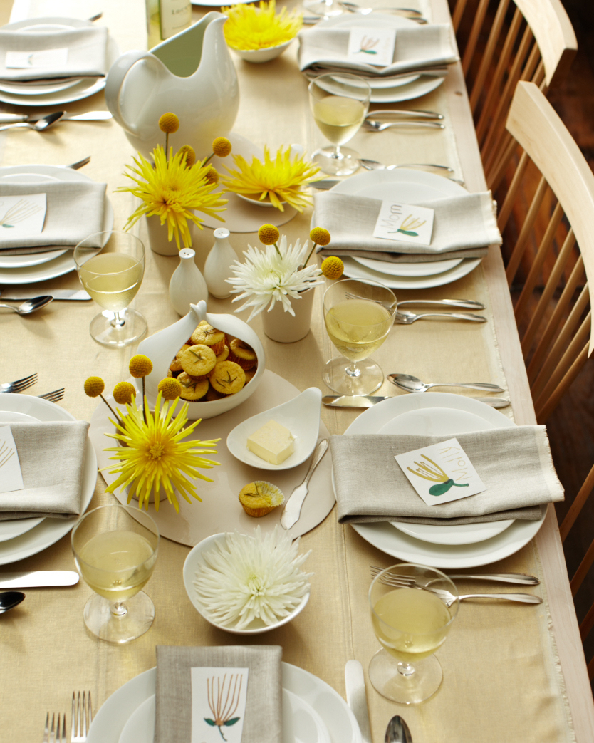 bright yellow Thanksgiving table