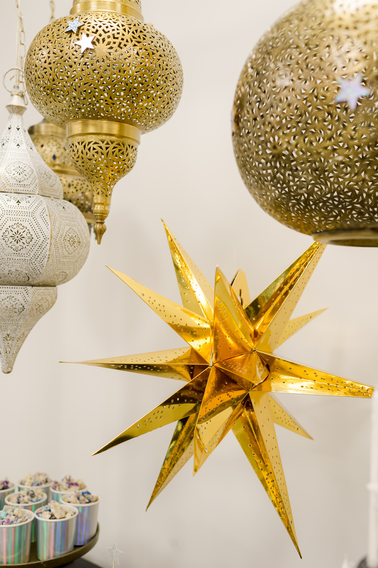 shiny golden star hanging decor