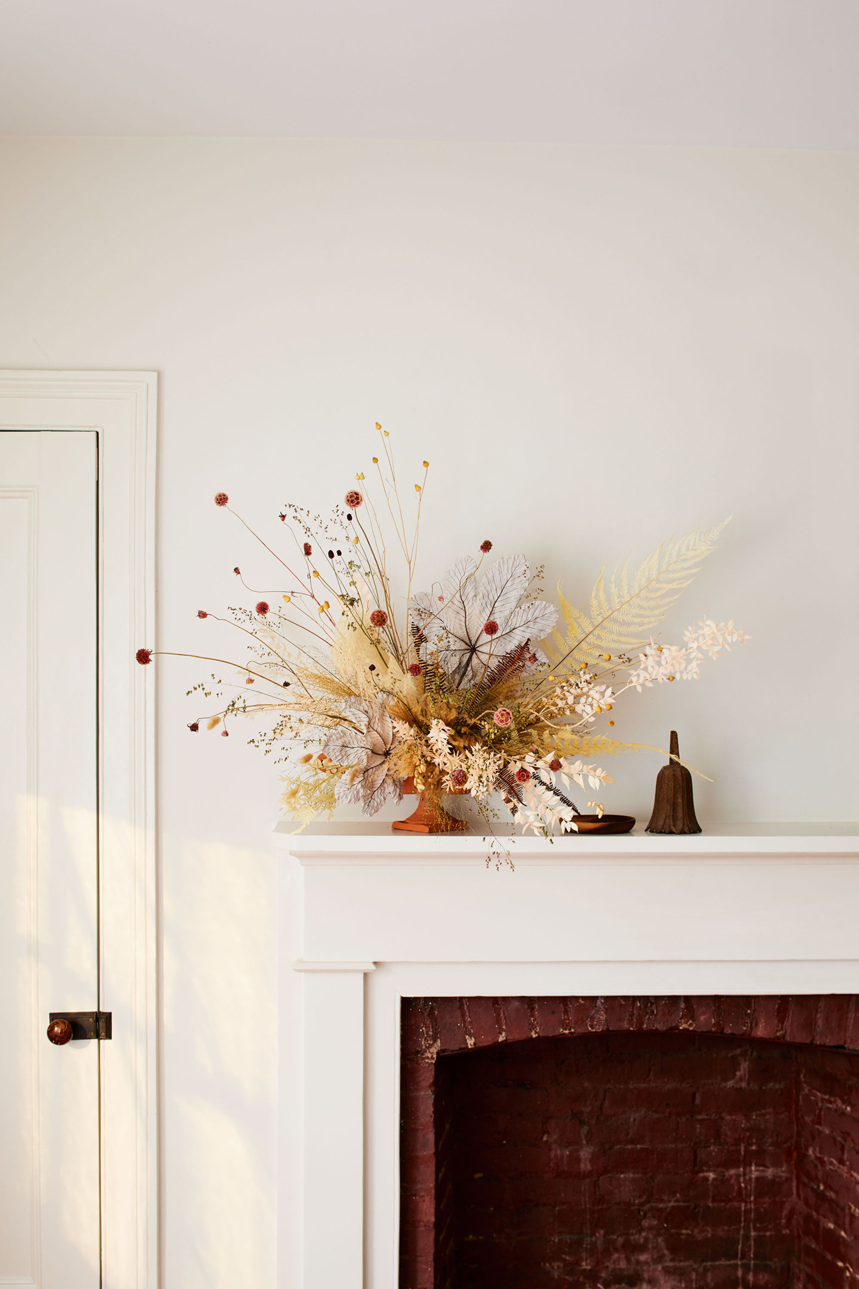 These Understated Dried Flower Arrangements Are Perfect For Fall Martha Stewart
