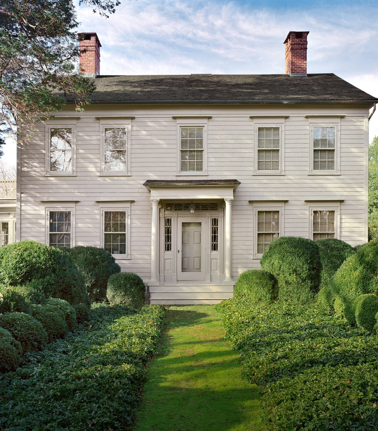 How To Choose The Right Exterior Paint Colors For Your Home Based On Its Architectural Style Martha Stewart