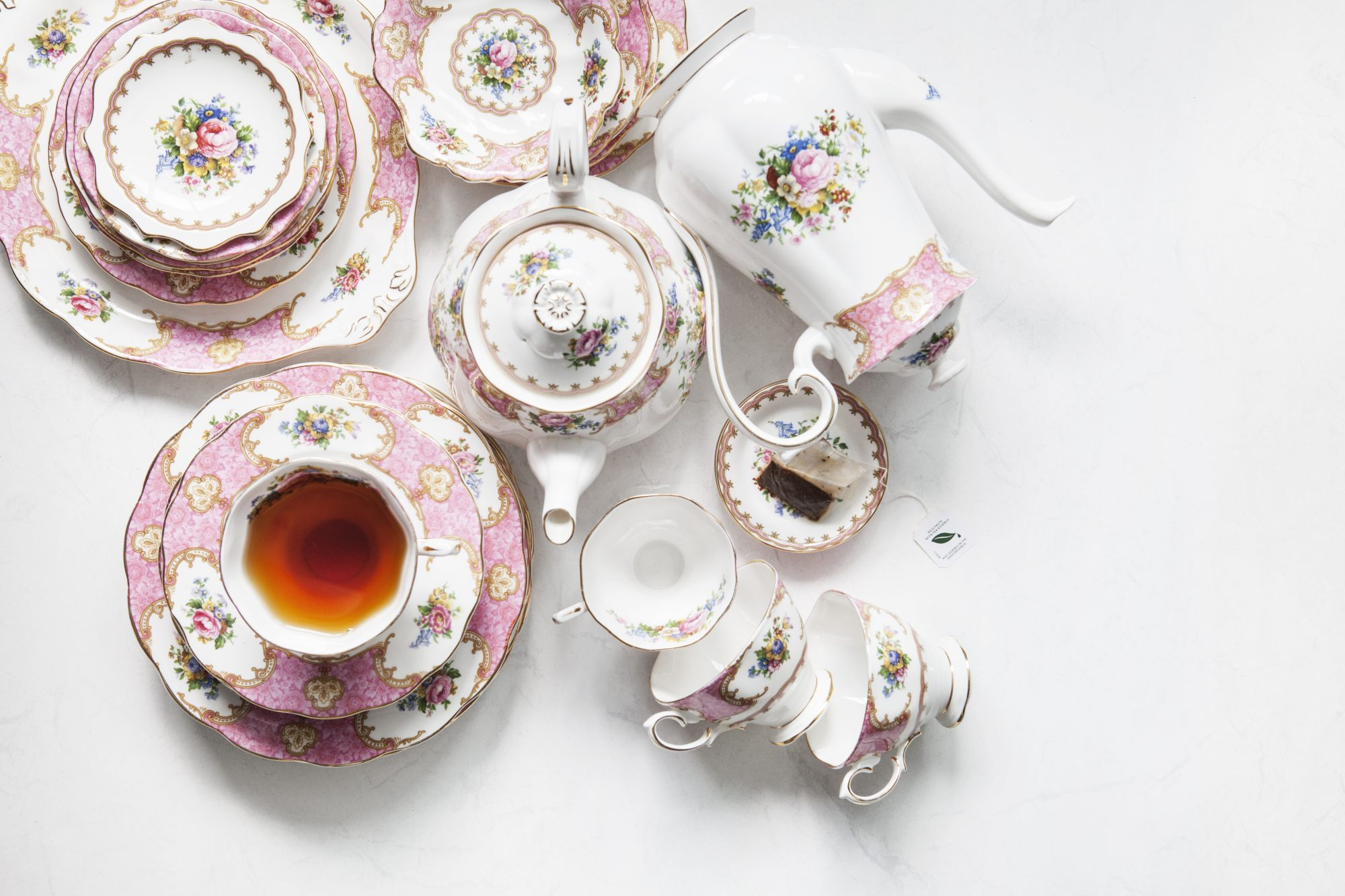 How to Clean Collectibles Made of Porcelain and Ceramics  Martha
