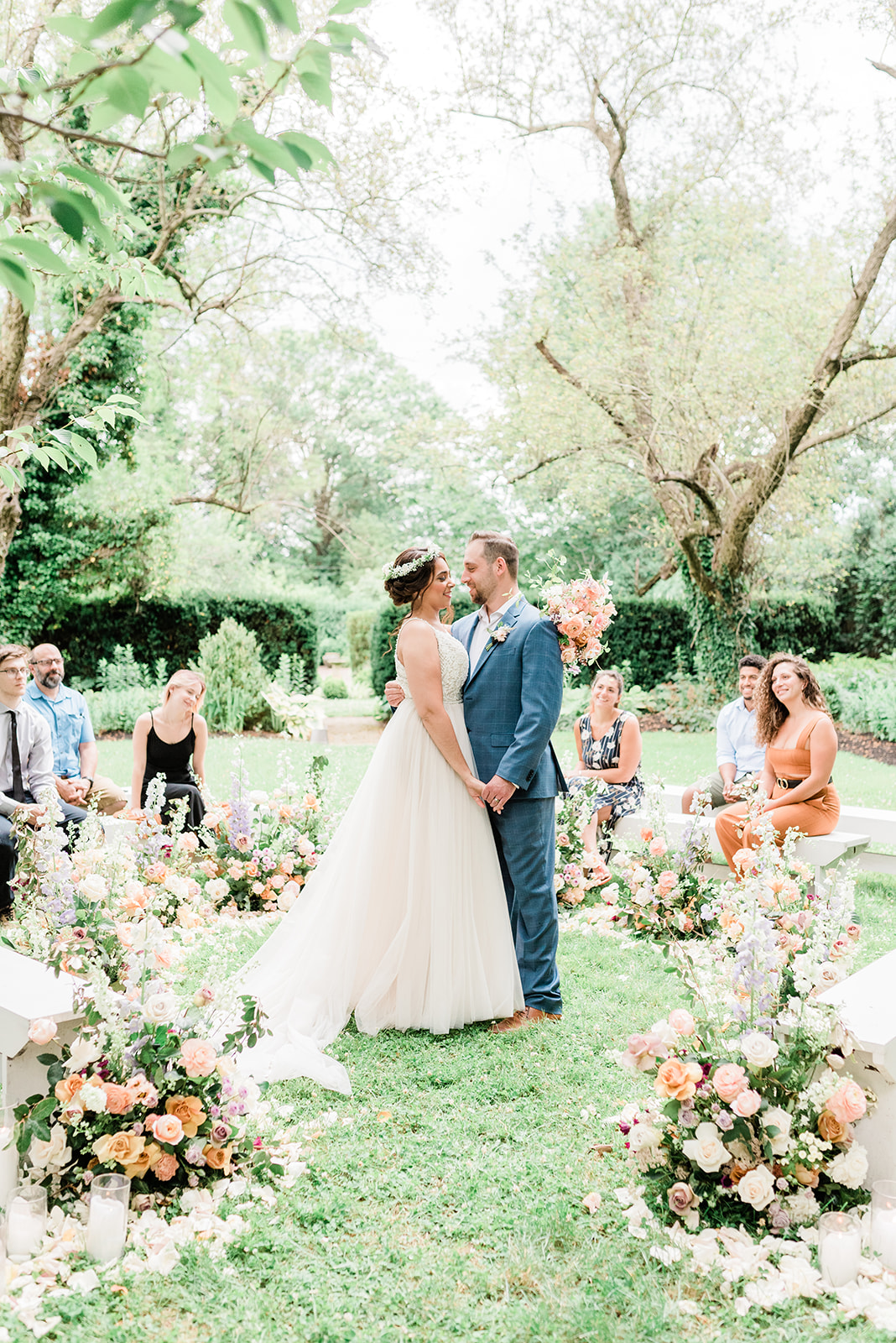 How to Plan a Micro Wedding in Light of the Coronavirus Pandemic | Martha  Stewart