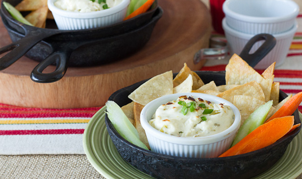 green-chile-queso-dip-352.jpg