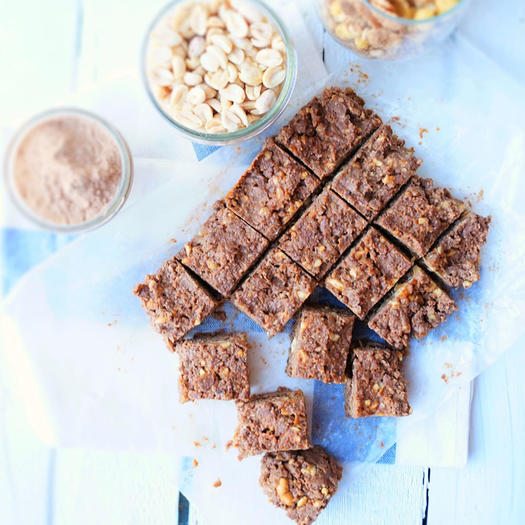Raw Peanut Butter Chocolate Protein Bars