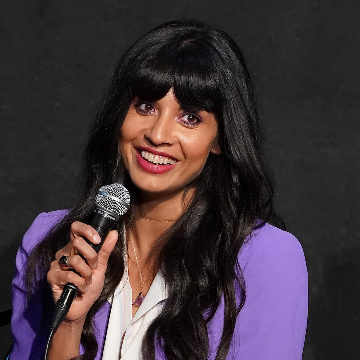 Jameela Jamil Wants to De-Stigmatize Loneliness Through Her Partnership with Bumble BFF