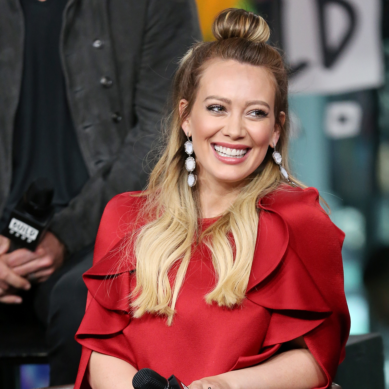 The Exact Products Hilary Duff Uses Every Day for Longer Lashes and Fuller Brows