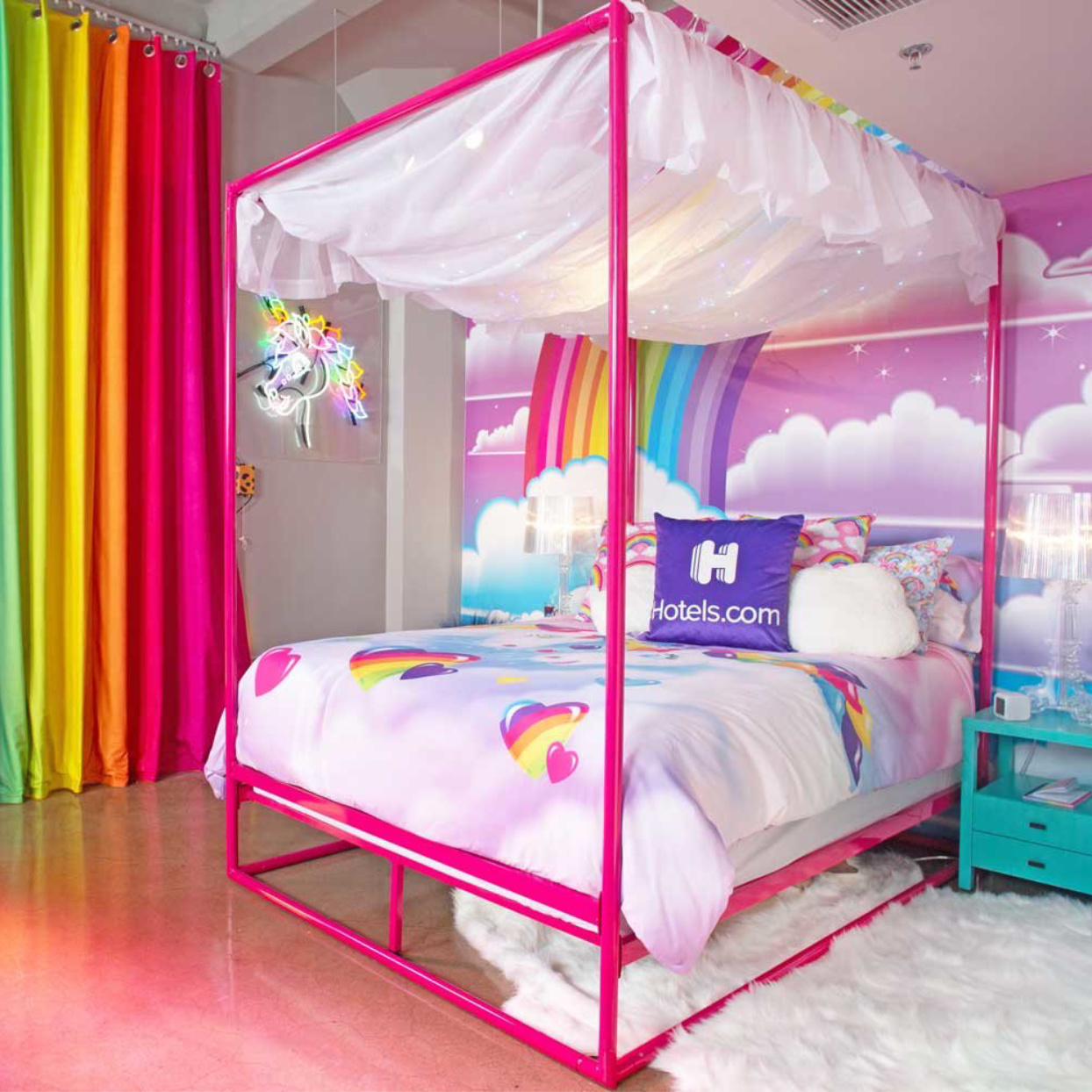This Lisa Frank Pop-Up Hotel Room Was Made for '90s Kids