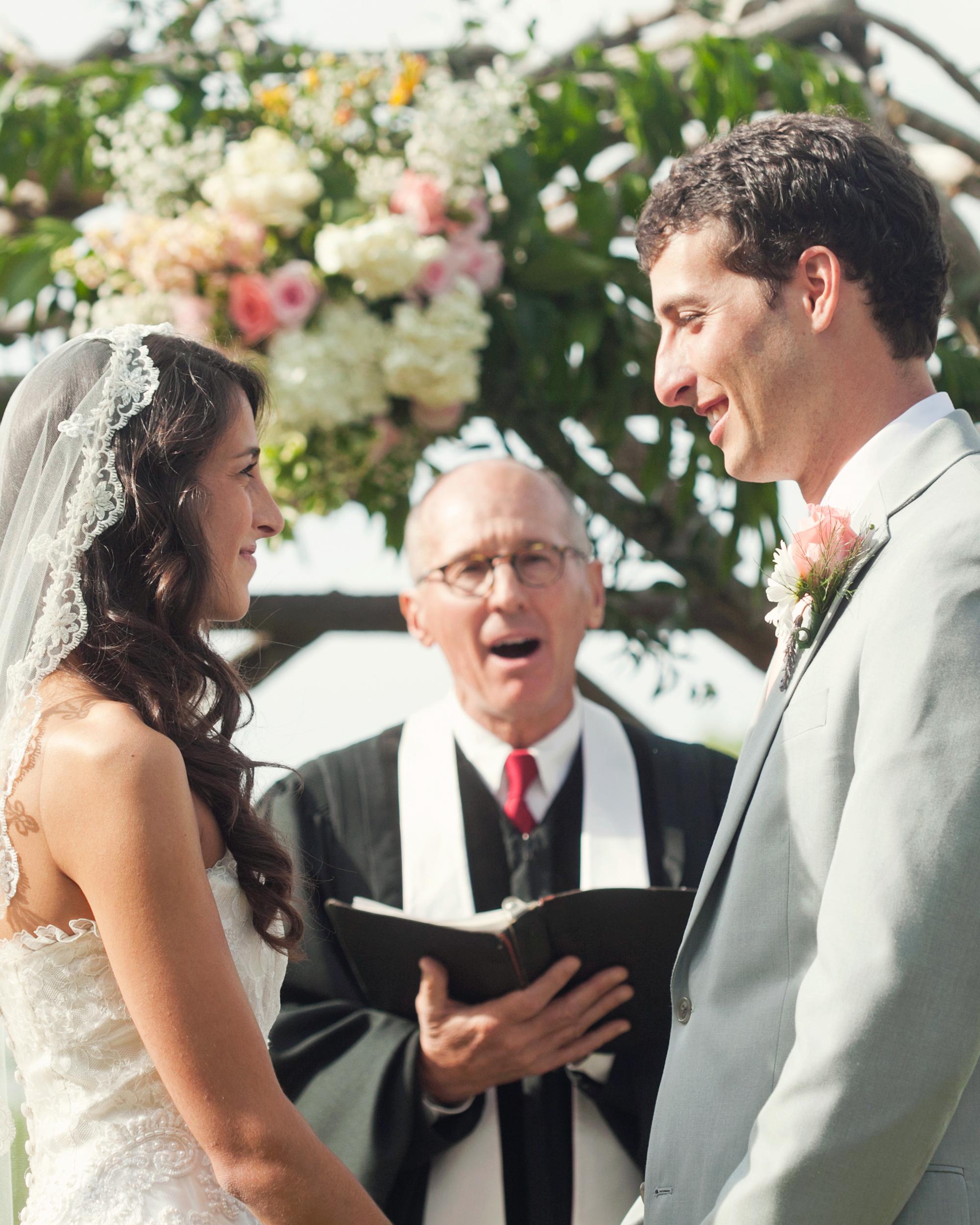 real-weddings-abby-julian-0711-305.jpg
