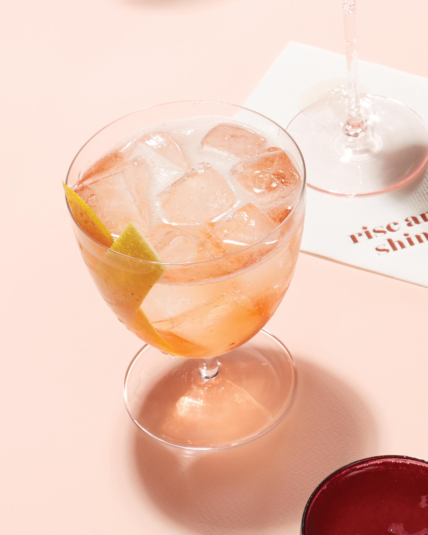 blush-berry-cocktails-sbagliato-rosa-lemon-peel-047-d113029.jpg