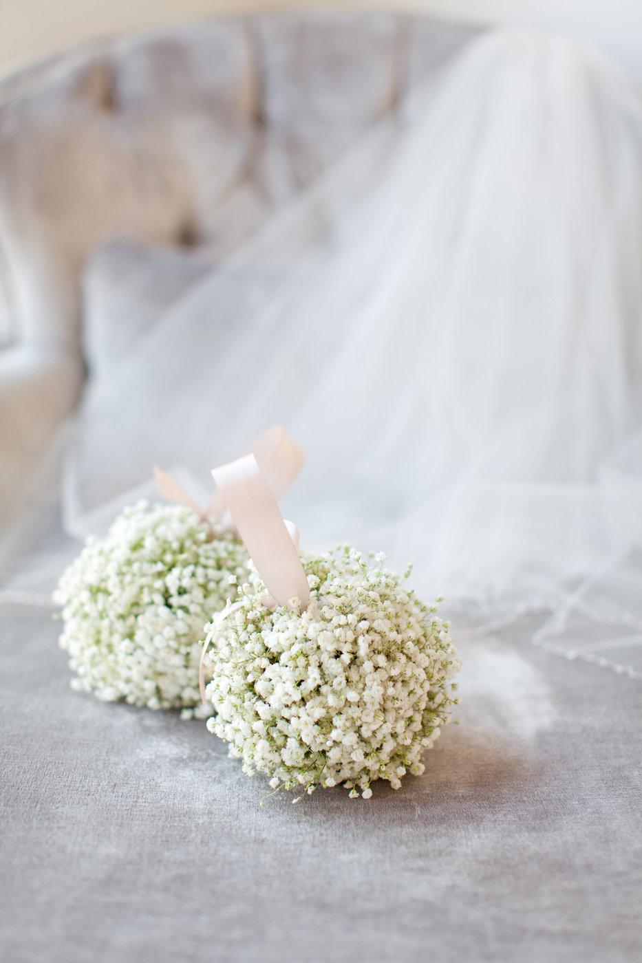 pomander wedding bouquet with baby's breath