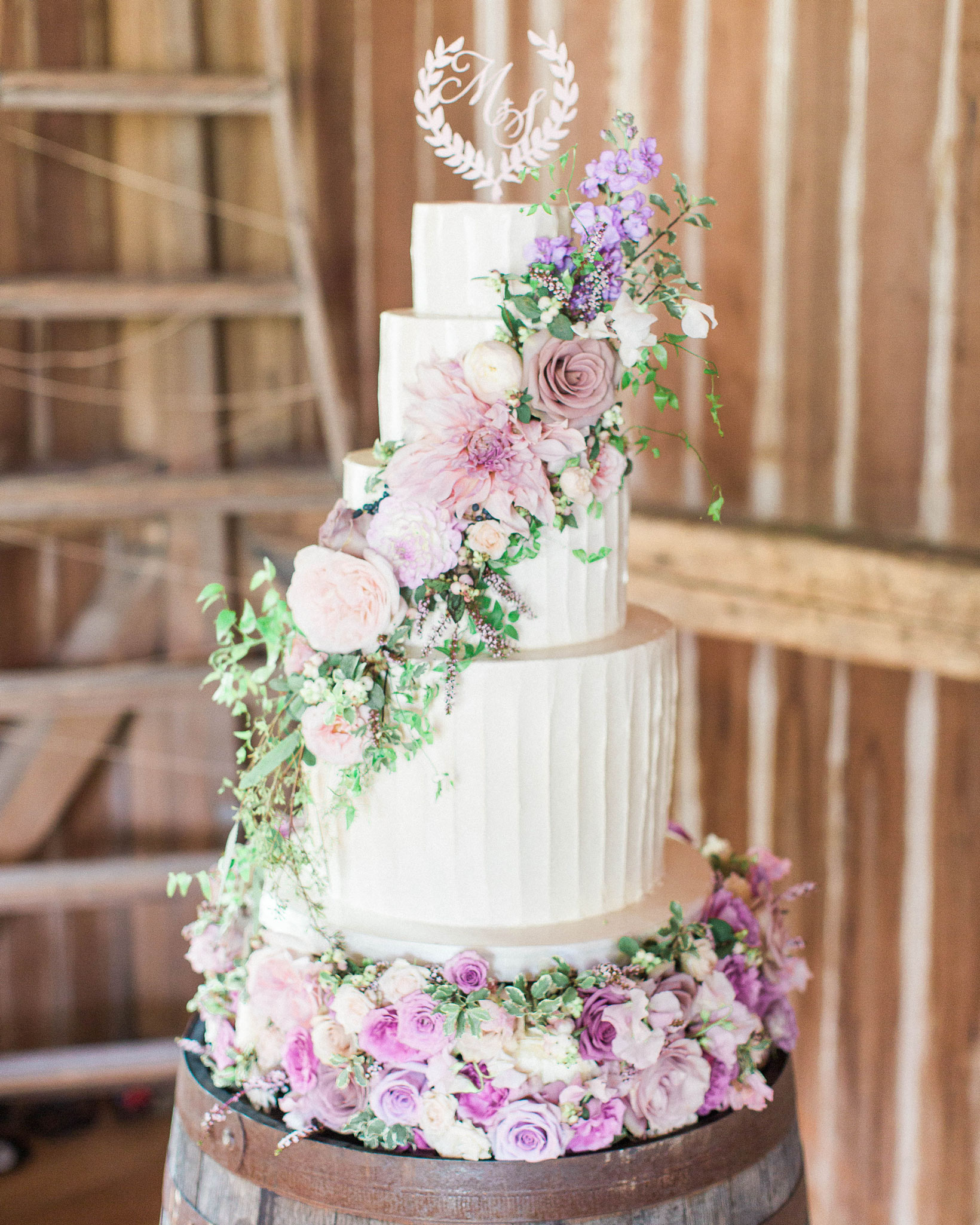 Outstanding 44 Wedding Cakes With Fresh Flowers Martha Stewart Weddings Home Interior And Landscaping Ologienasavecom