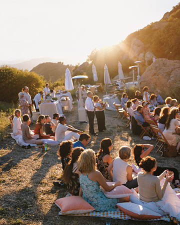 mw1004_fal04_guests_sunset.jpg