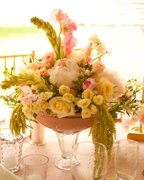 rw_0810_lauren_mike_centerpieces.jpg