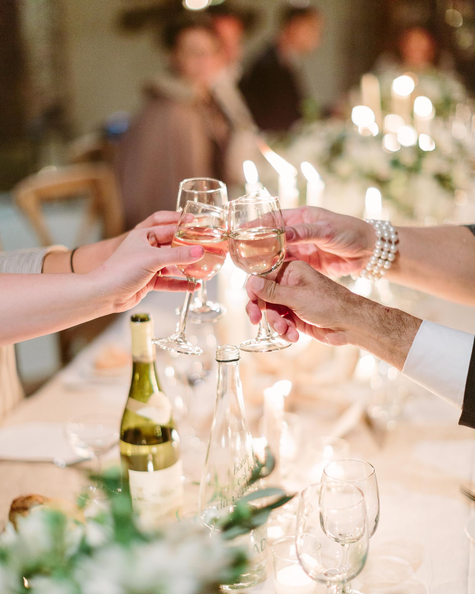 How Do You Organize Engagement Party Toasts?