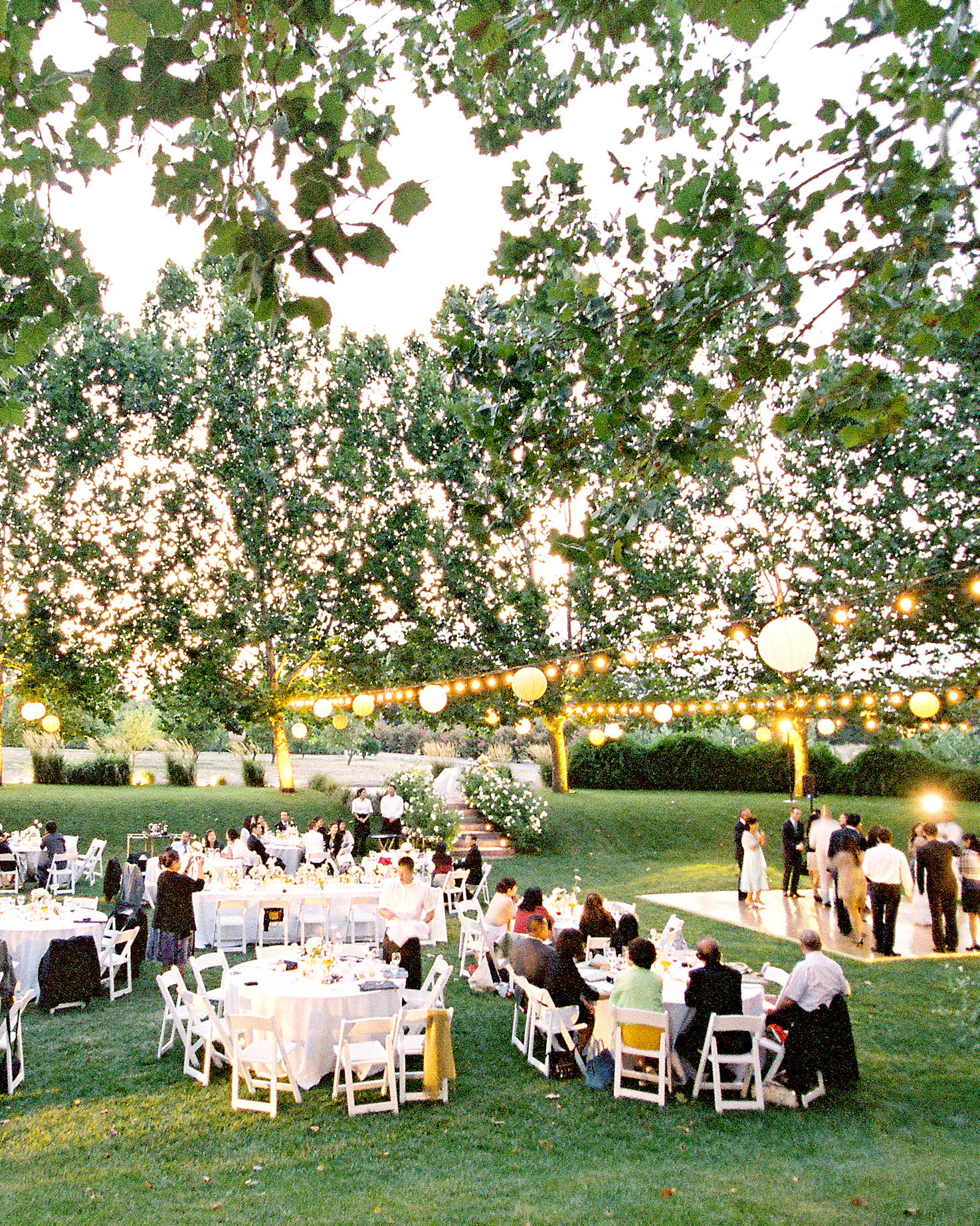 Pros and Cons of a Country Club Wedding