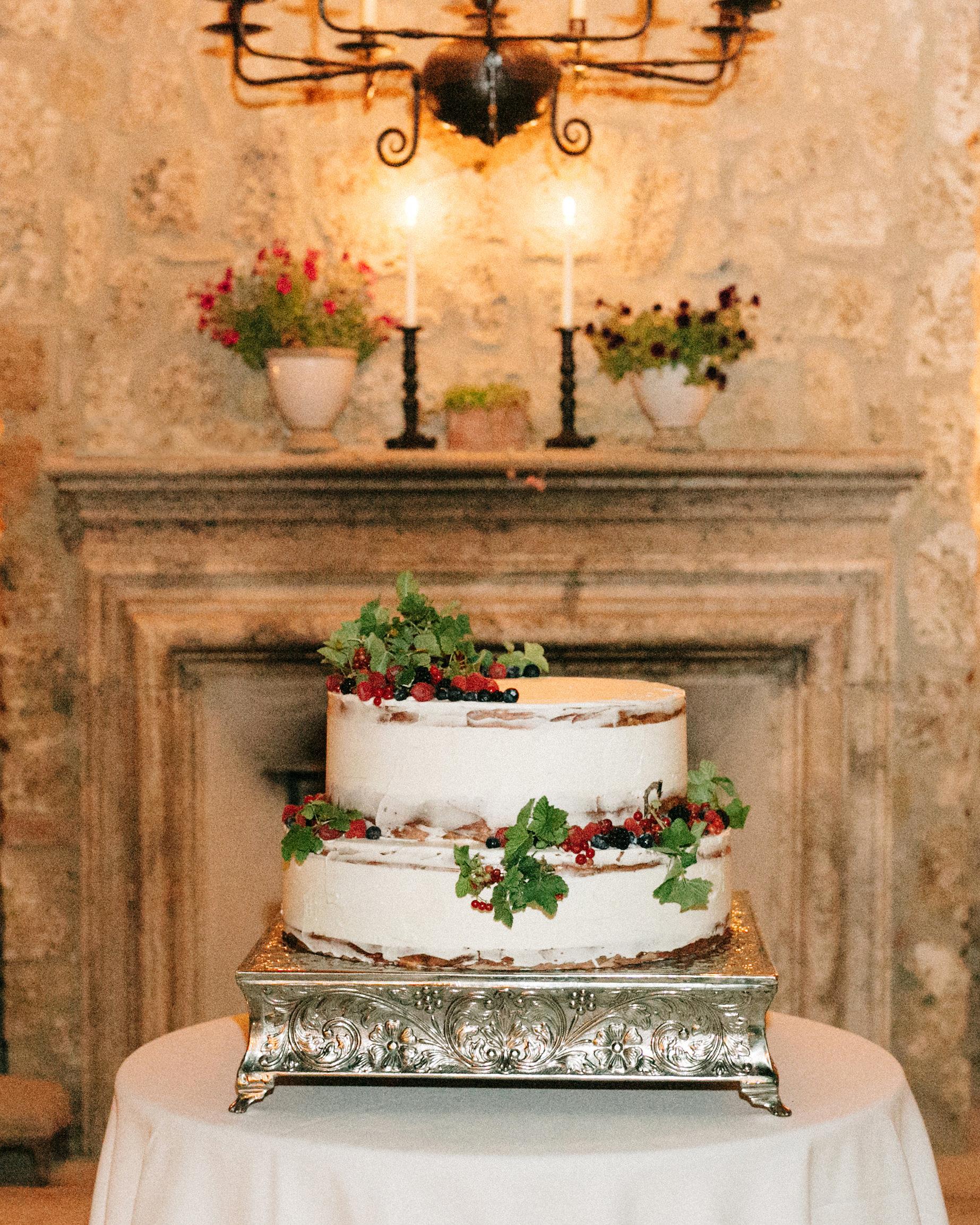 alexis zach wedding italy cake