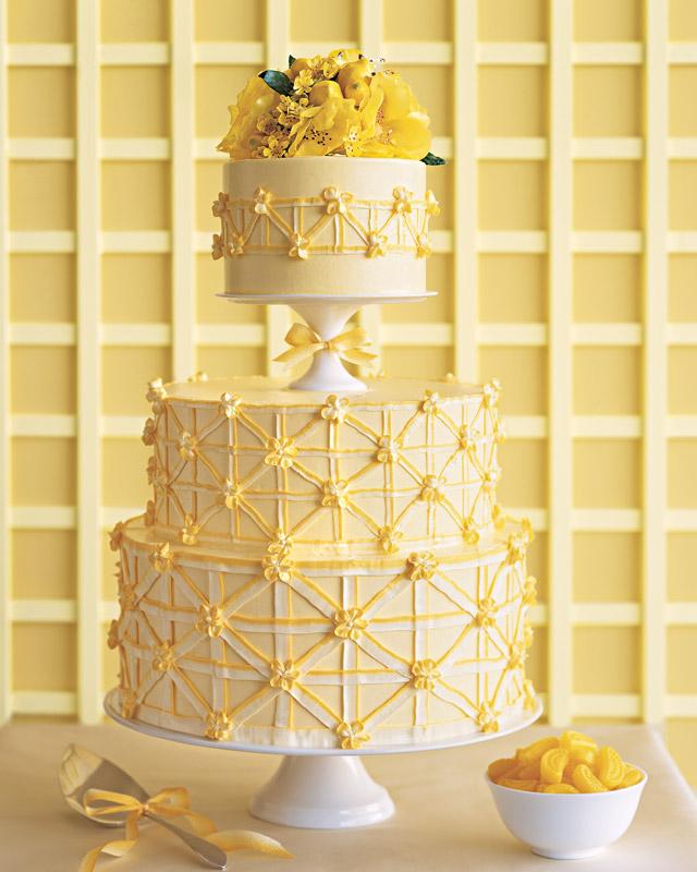 Lemon Cake Assembly