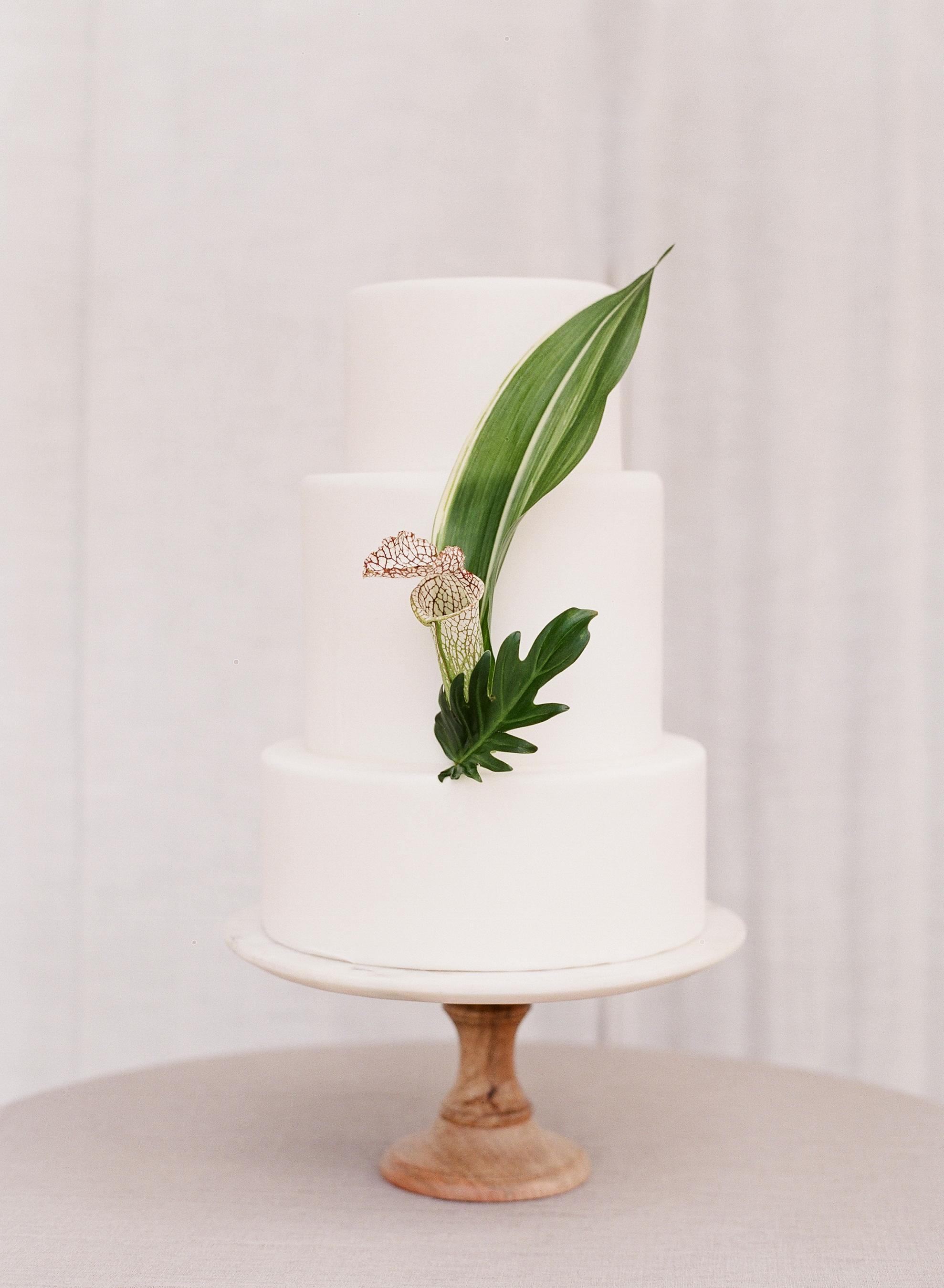 floral wedding cakes alisa ferris white cake