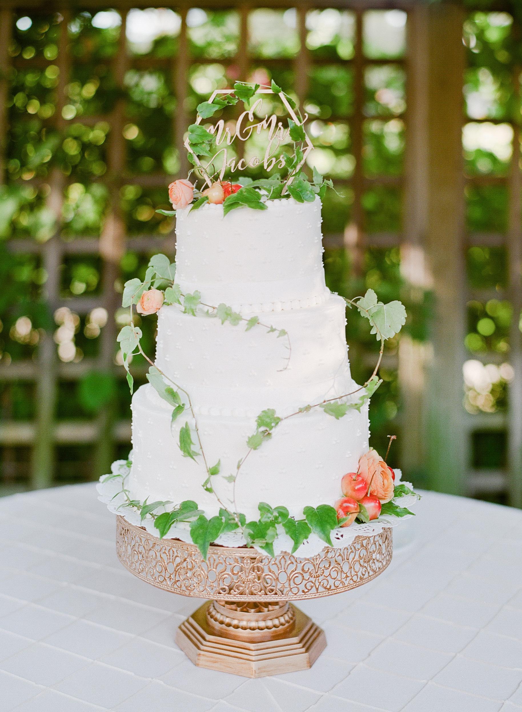 floral wedding cakes jeanni dunagan garden greenery