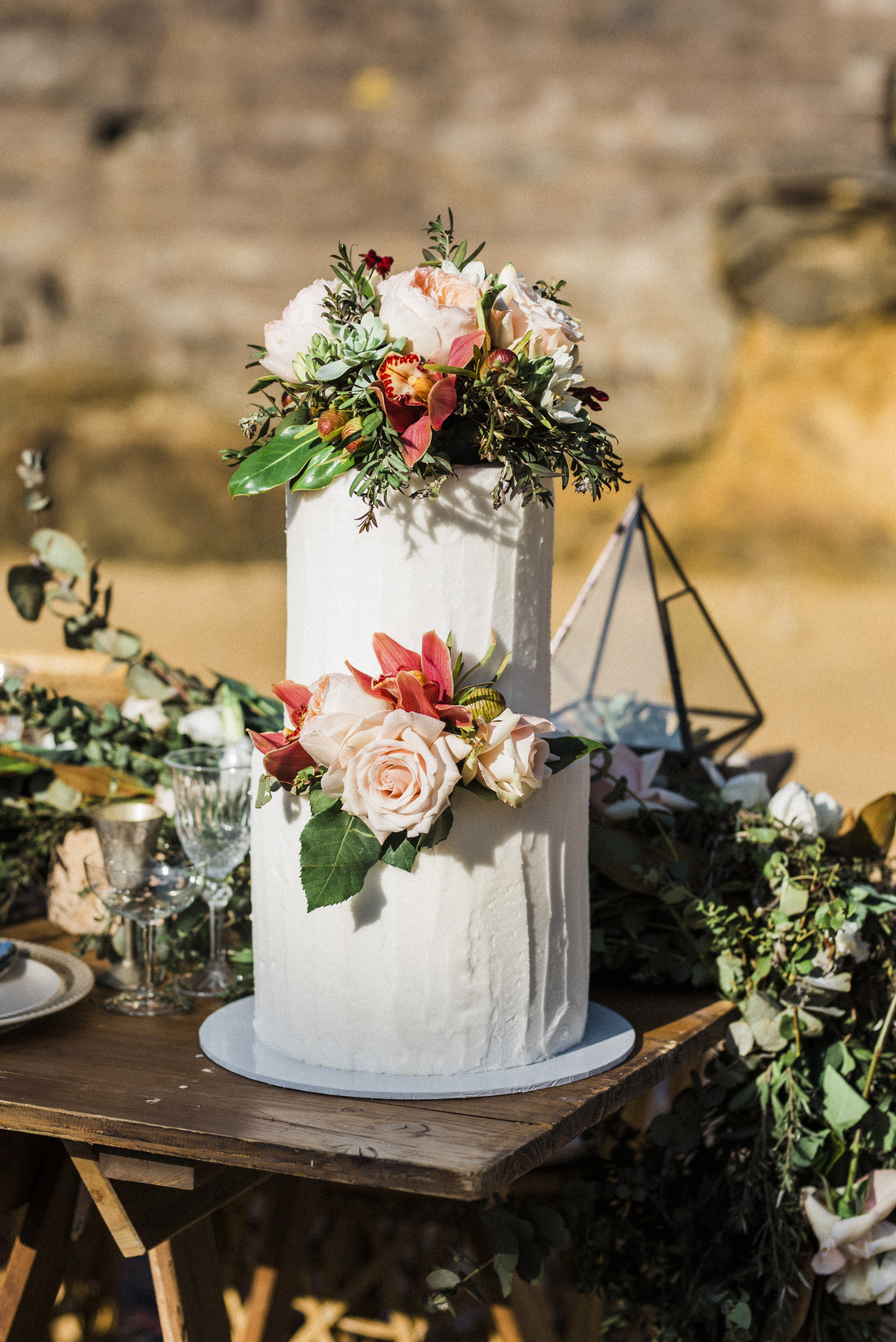 Admirable 44 Wedding Cakes With Fresh Flowers Martha Stewart Weddings Home Interior And Landscaping Ologienasavecom