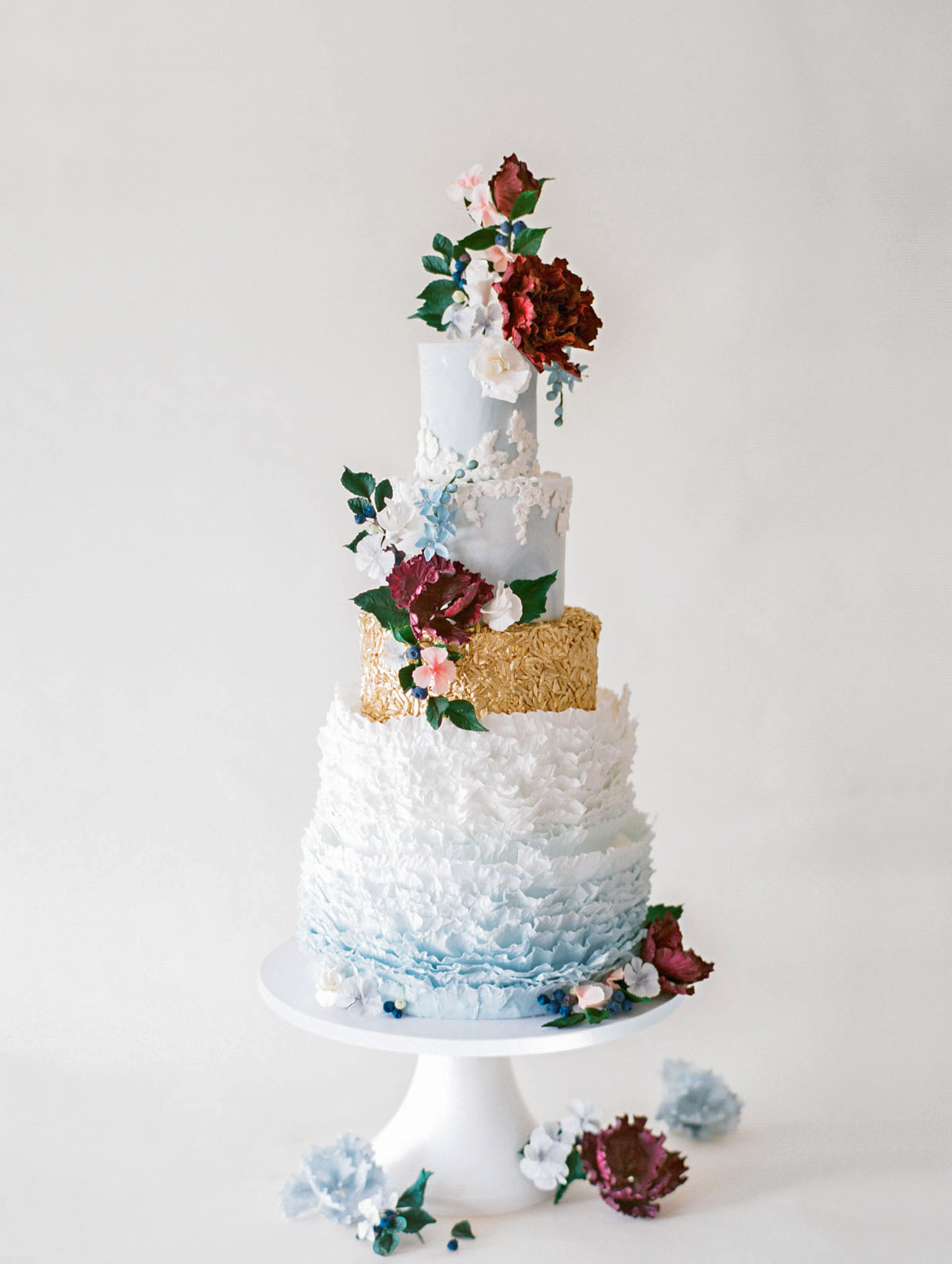 Metallic Wedding Cakes That Make a Shimmering Statement