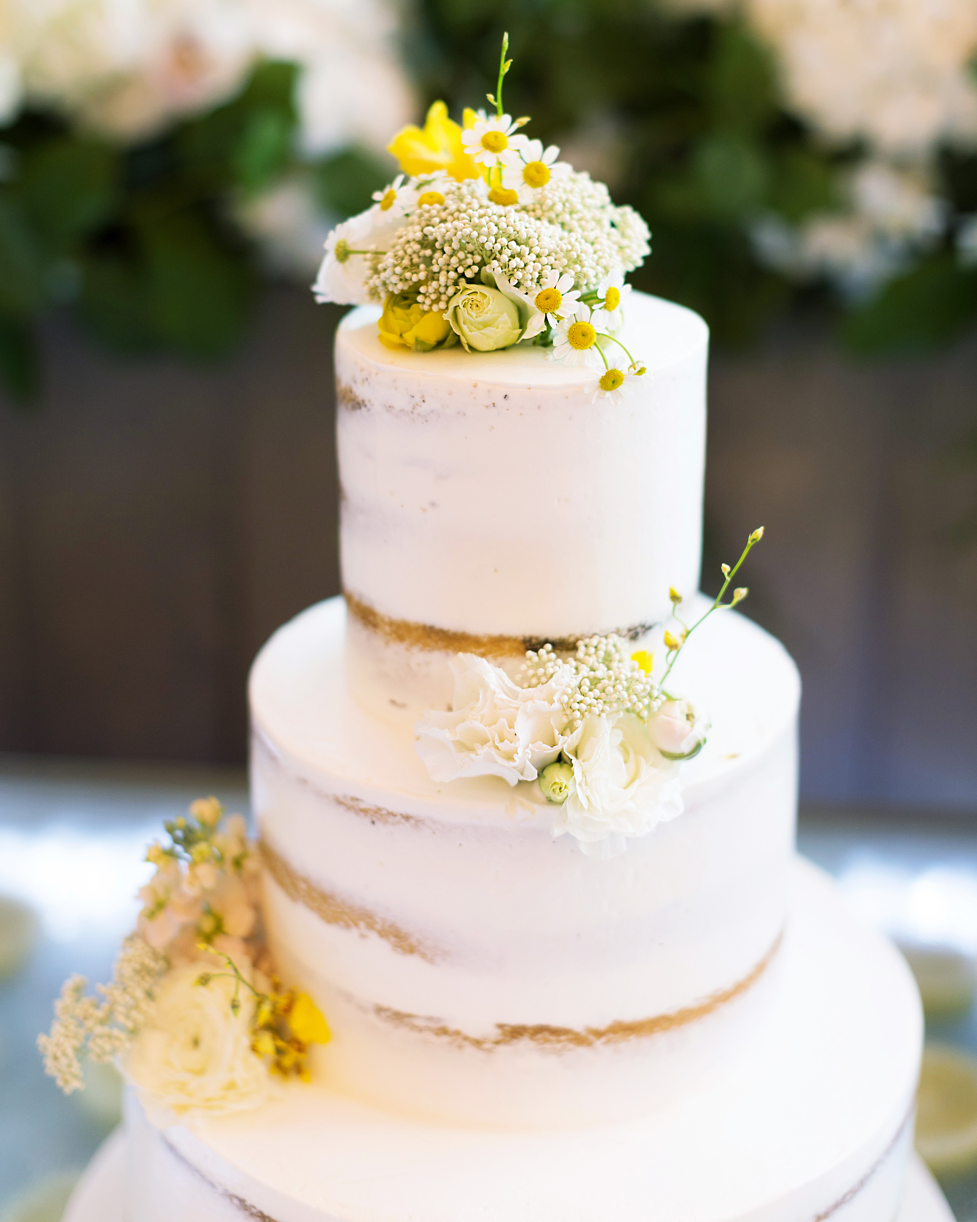 45 Wedding Cakes With Sugar Flowers That Look Stunningly: 44 Wedding Cakes With Fresh Flowers