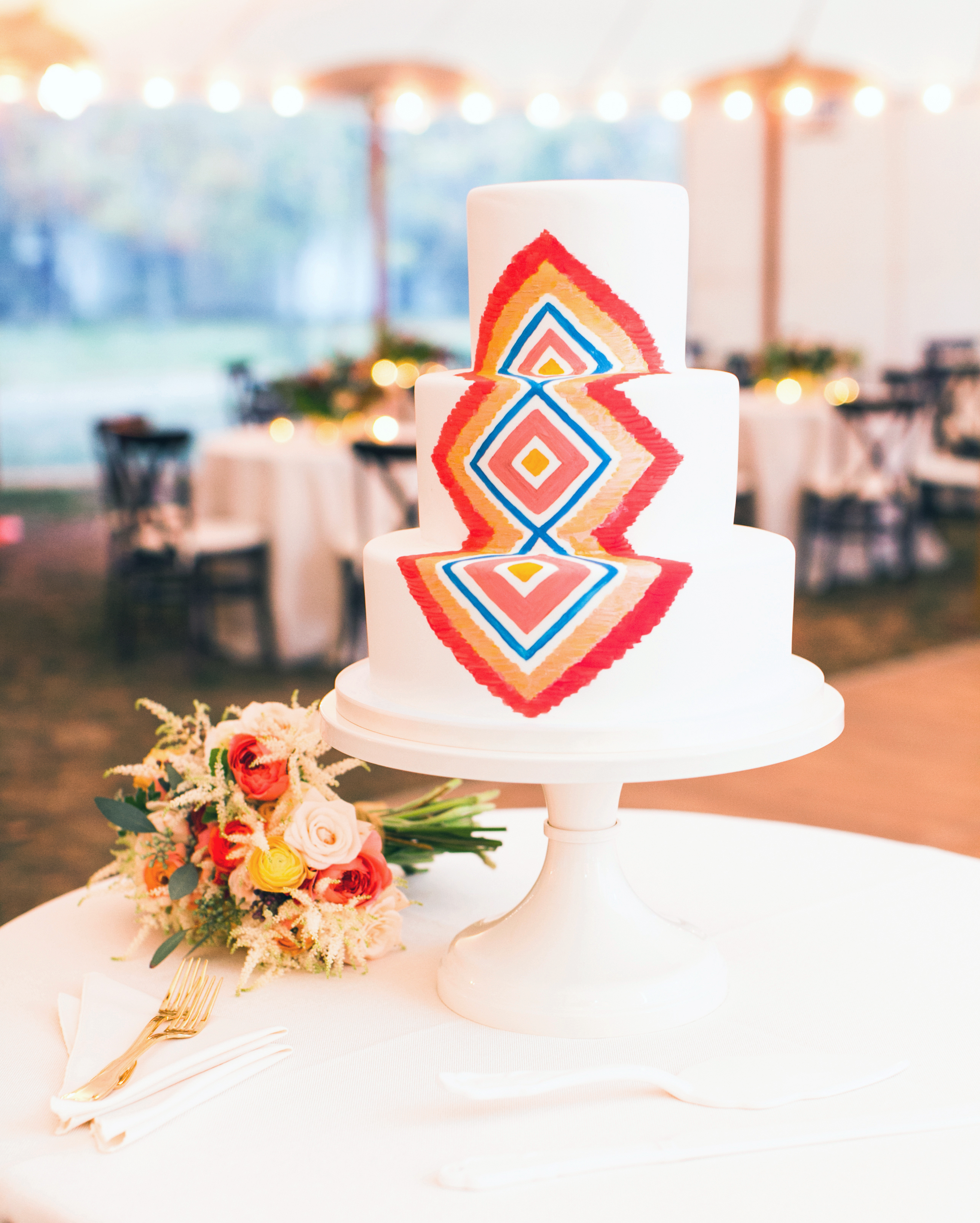 brittany-andrew-wedding-cake-079-s112067-0715.jpg
