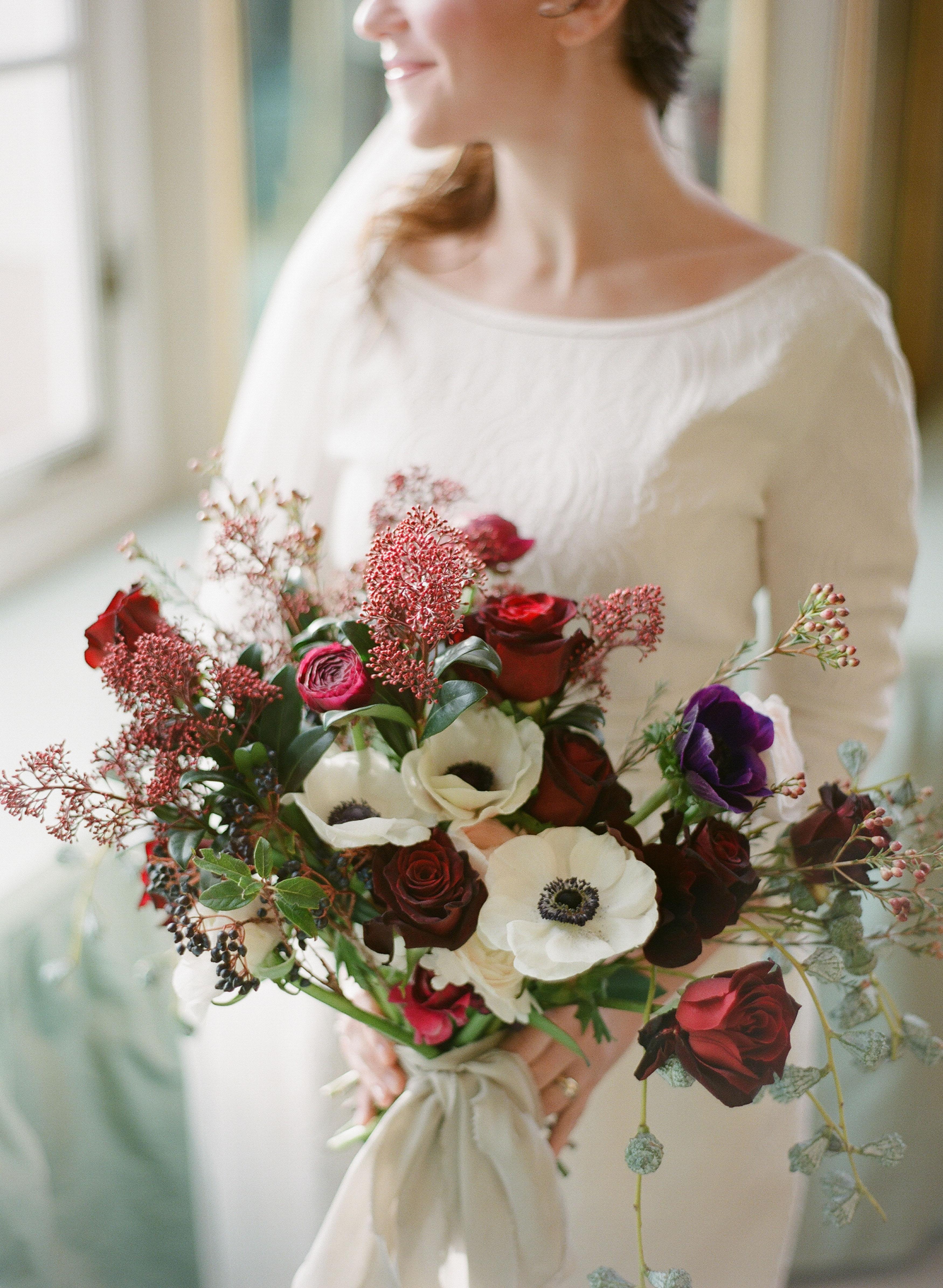 52 gorgeous winter wedding bouquets | martha stewart weddings