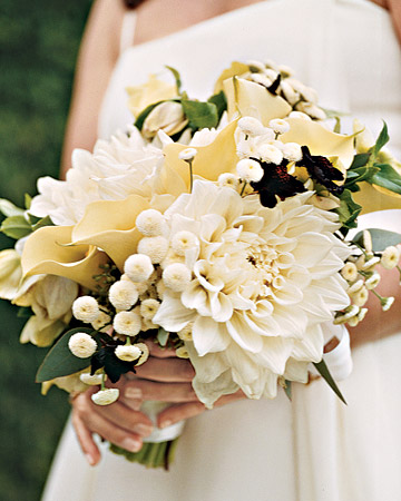 White Bouquet with Oversize Flowers