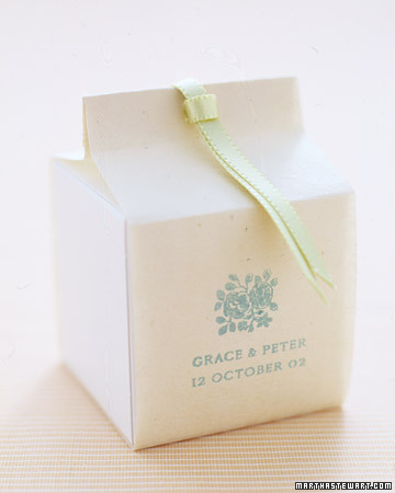 Elegant White Box Favor