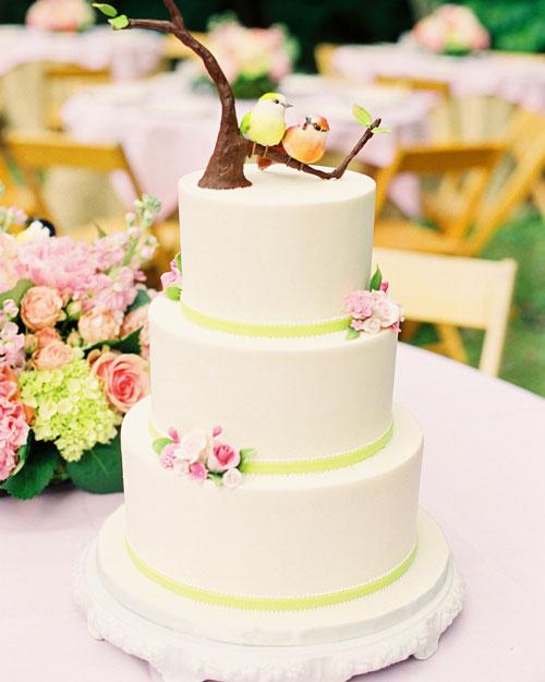 rw_1110_madeline_tora_cake.jpg